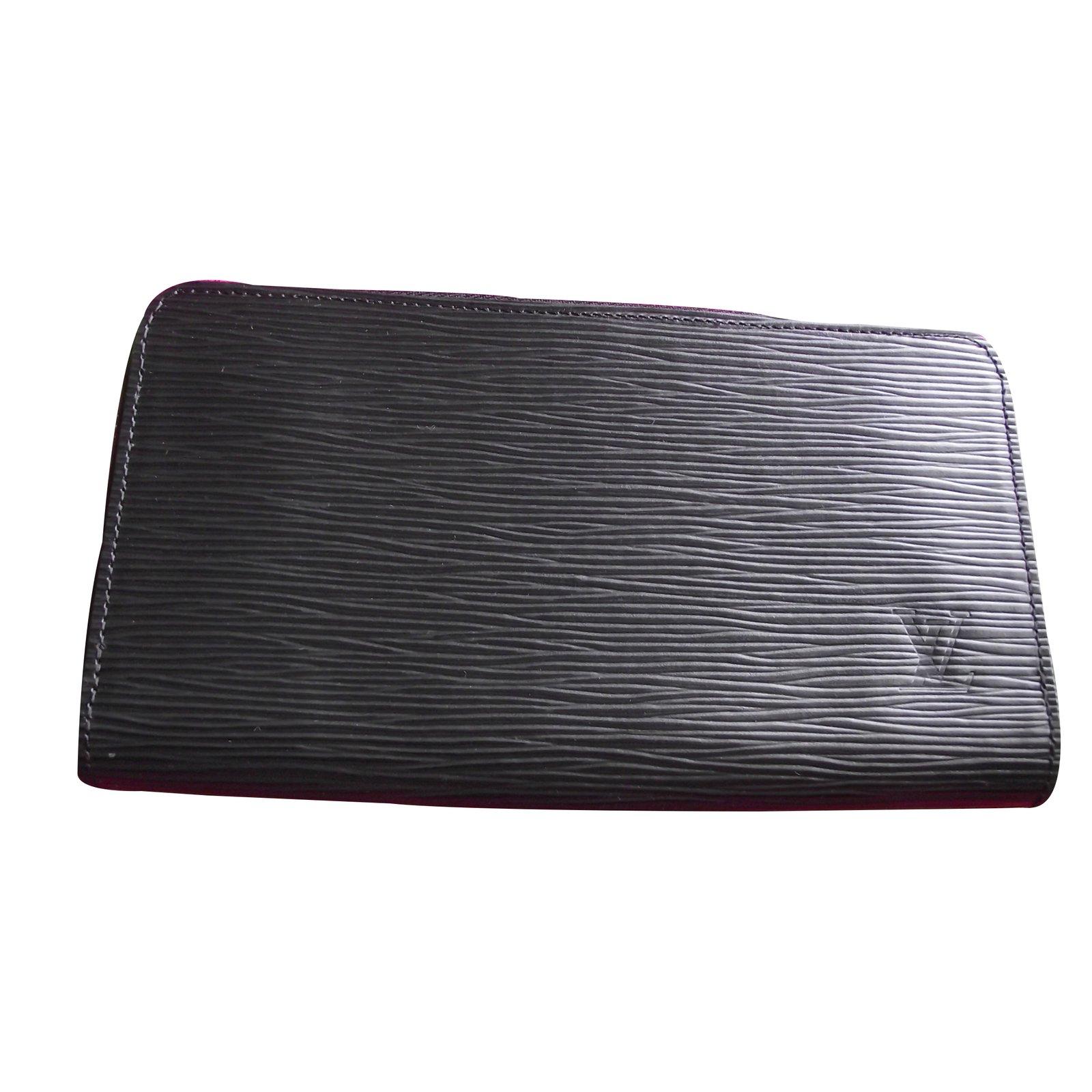 b183dea23d9a Petite maroquinerie Louis Vuitton portefeuille zippy cuir épis Cuir Noir  ref.17825