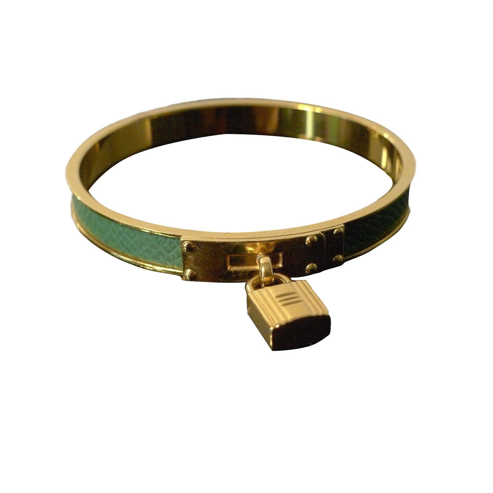 becf37a3d3af Bracelets Hermès Bracelet Kelly Hermès vintage en plaqué or et cuir vert  Plaqué or Doré ref