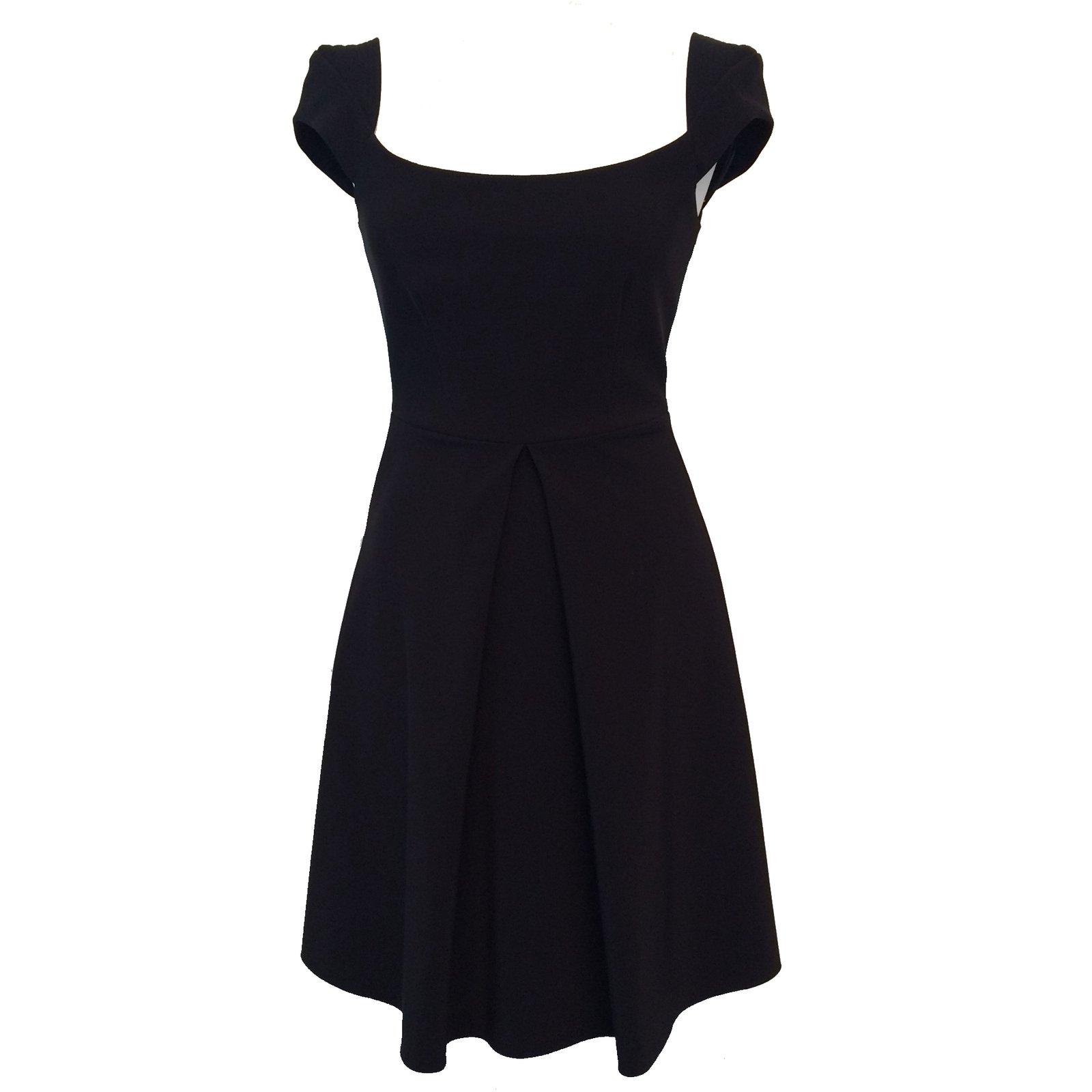 robes pinko petite robe noire autre noir joli closet. Black Bedroom Furniture Sets. Home Design Ideas