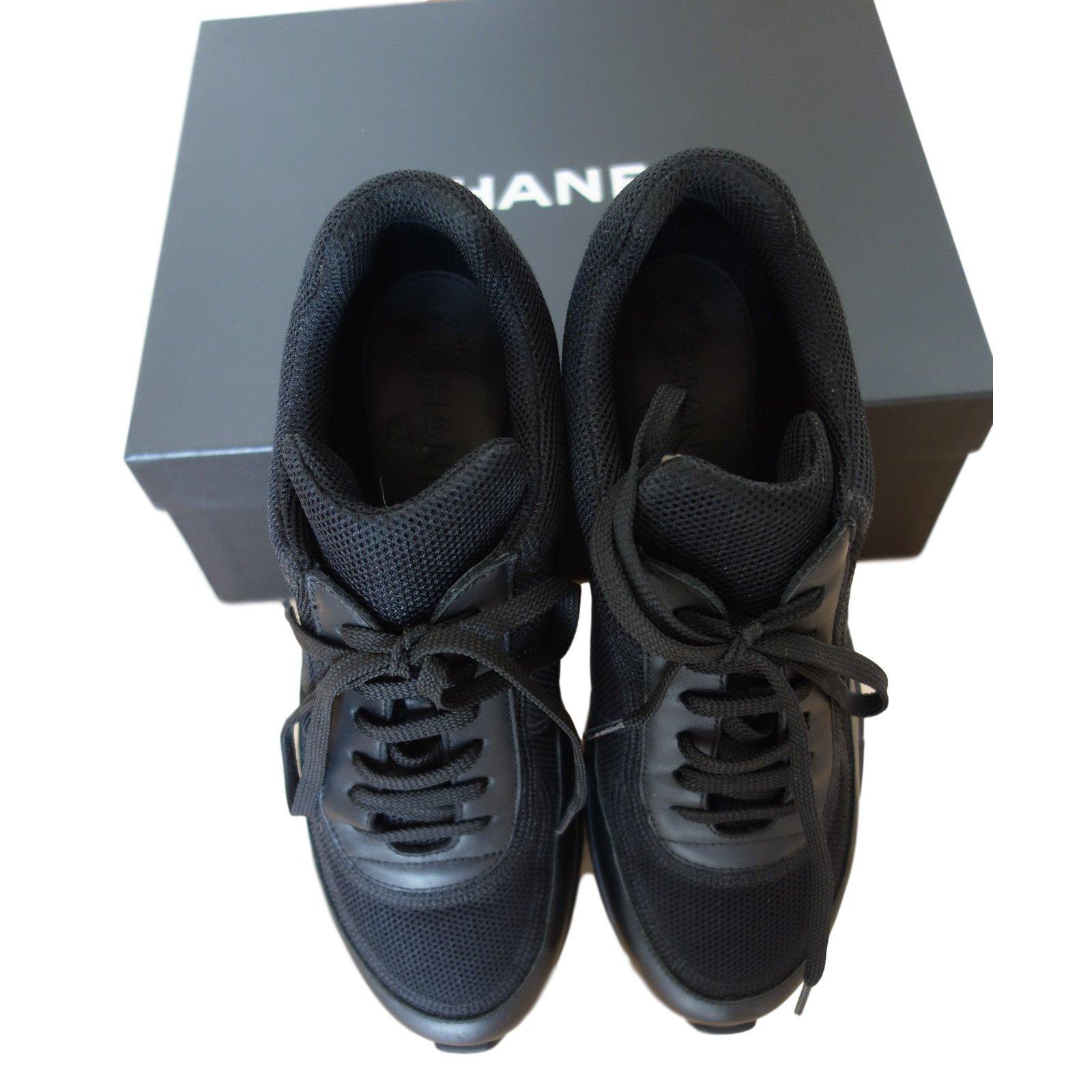 baskets chanel sneaker cuir et tissu chanel noir 39 5 cuir noir joli closet. Black Bedroom Furniture Sets. Home Design Ideas