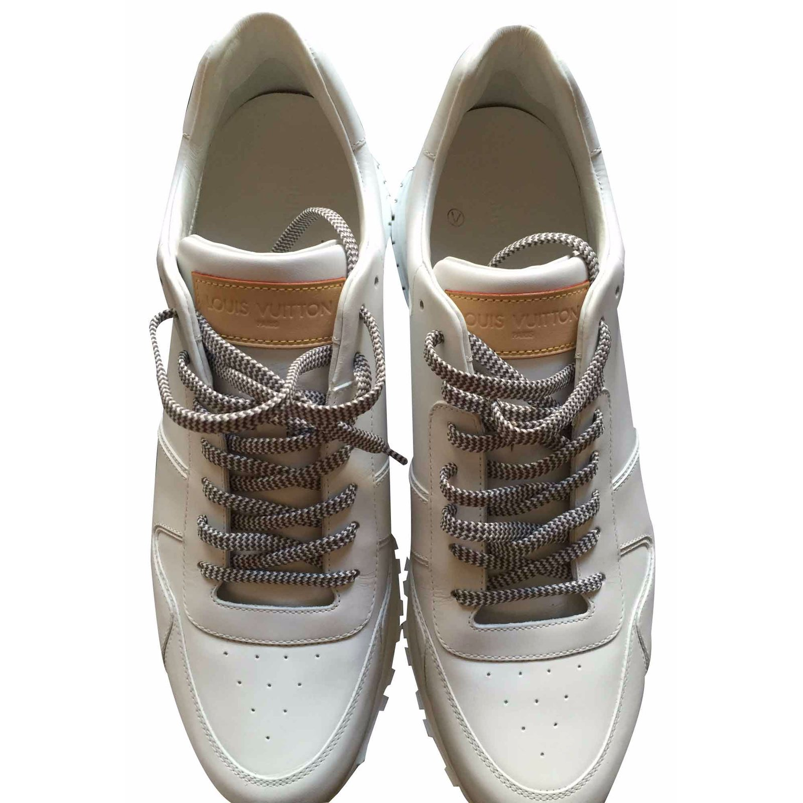 baskets homme louis vuitton run away sneaker cuir blanc. Black Bedroom Furniture Sets. Home Design Ideas