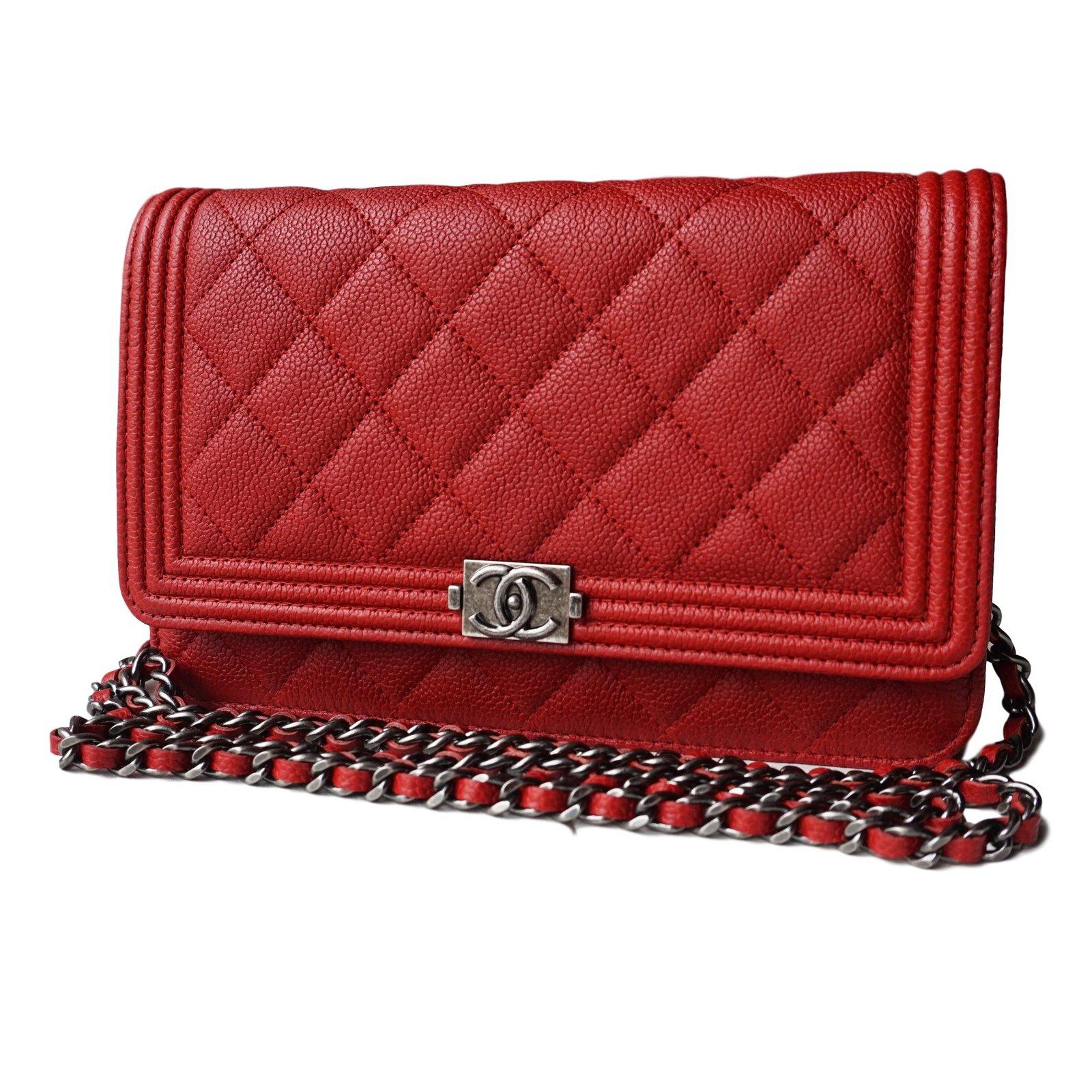 f11003706793 Chanel WOC boy Clutch bags Leather Red ref.21600 - Joli Closet