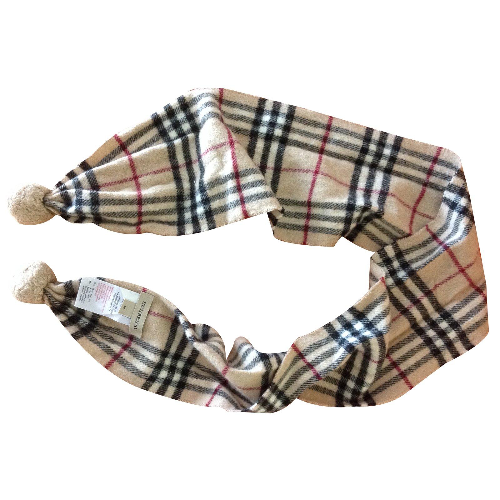 foulards charpes enfants burberry charpe burberry enfant laine autre joli closet. Black Bedroom Furniture Sets. Home Design Ideas