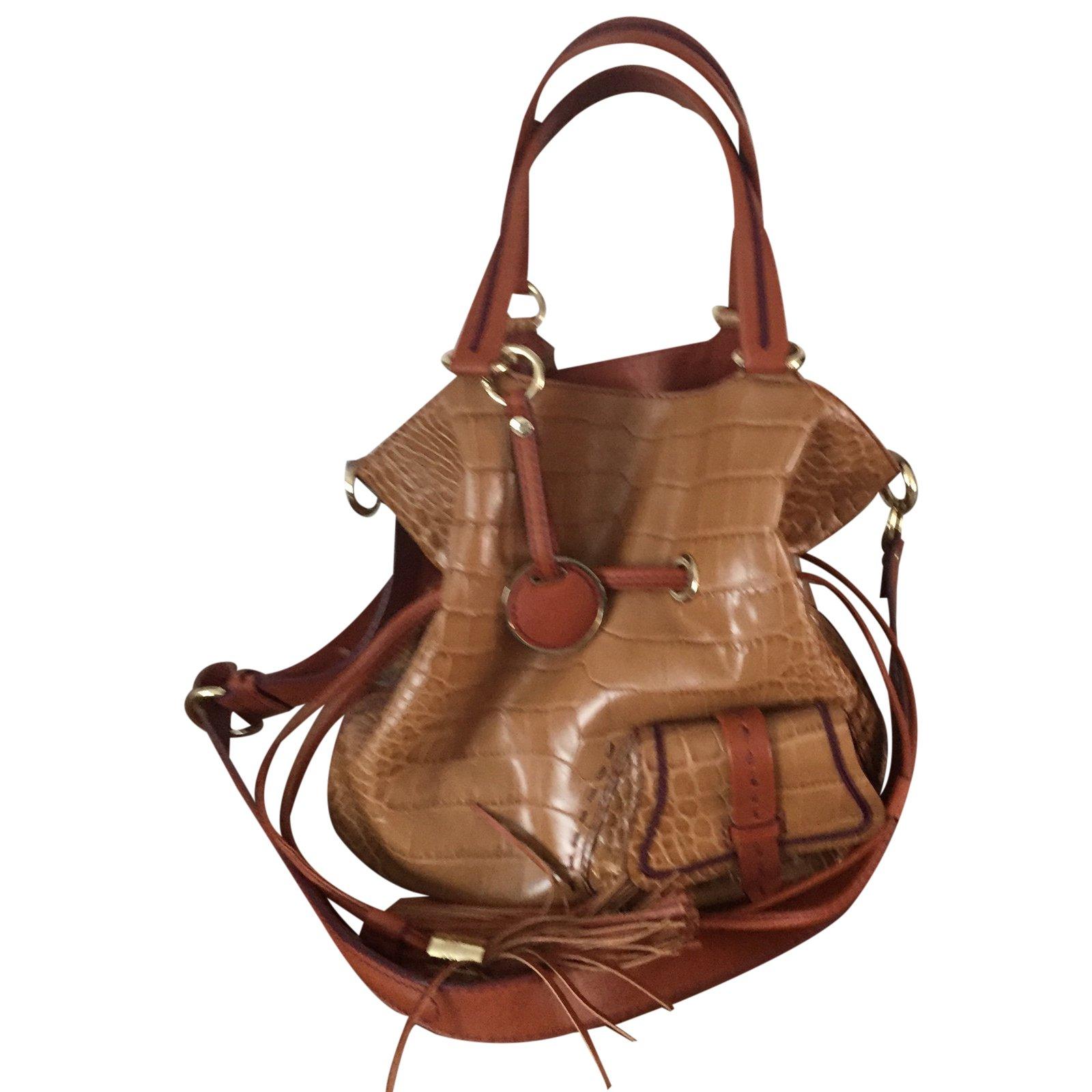 sac lancel premier flirt occasion Sac lancel à vendre ou acheter d'occasion : 40 annonces en belgique parfait parfait état sac style premier flirt de lancel cuir camel.