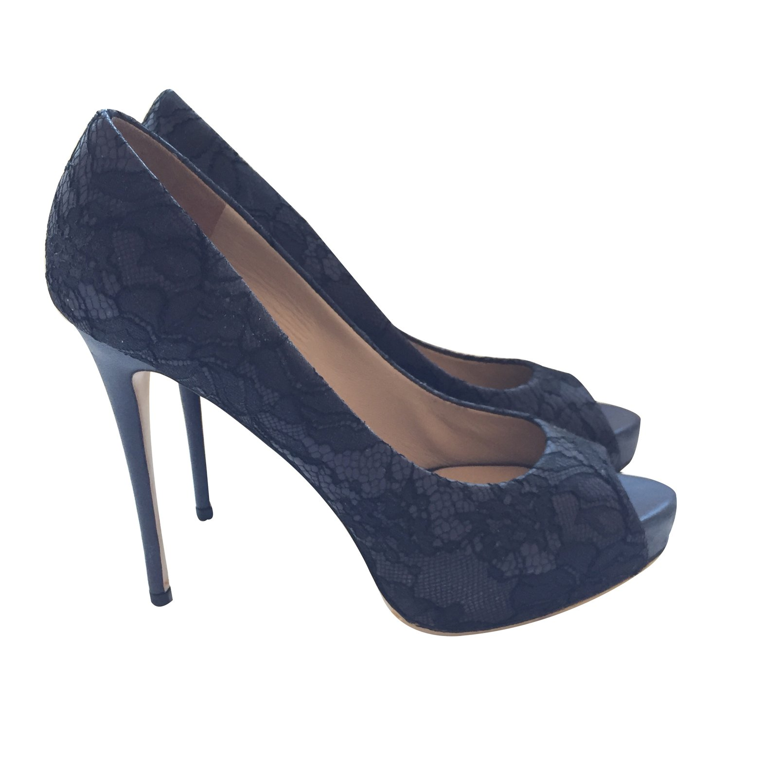 escarpins valentino escarpins cuir bleu joli closet. Black Bedroom Furniture Sets. Home Design Ideas