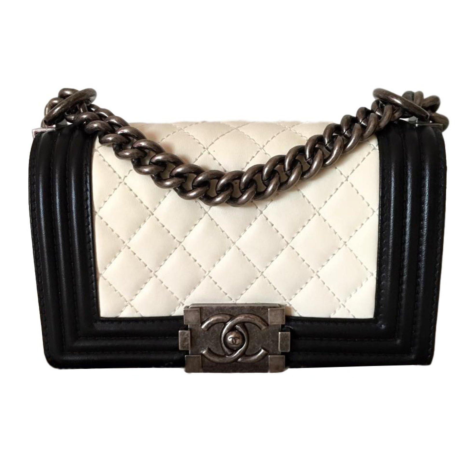 942606f3ce Sacs à main Chanel Boy noir et blanc Cuir Noir ref.23315 - Joli Closet