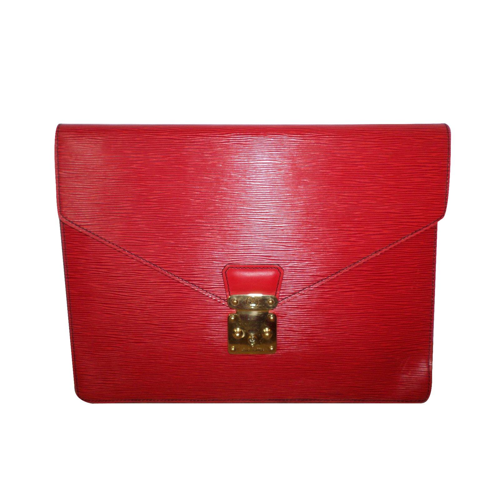 pochettes louis vuitton pochette cuir rouge joli closet. Black Bedroom Furniture Sets. Home Design Ideas