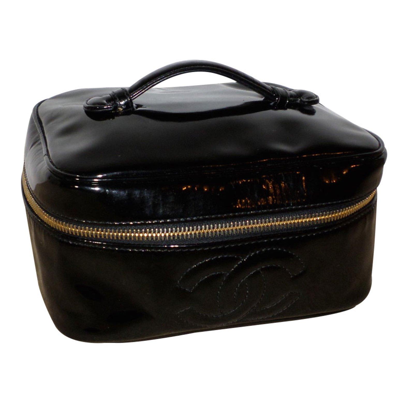 6b1a862368e8 Chanel Vanity Case Purses, wallets, cases Patent leather Black ref.25217