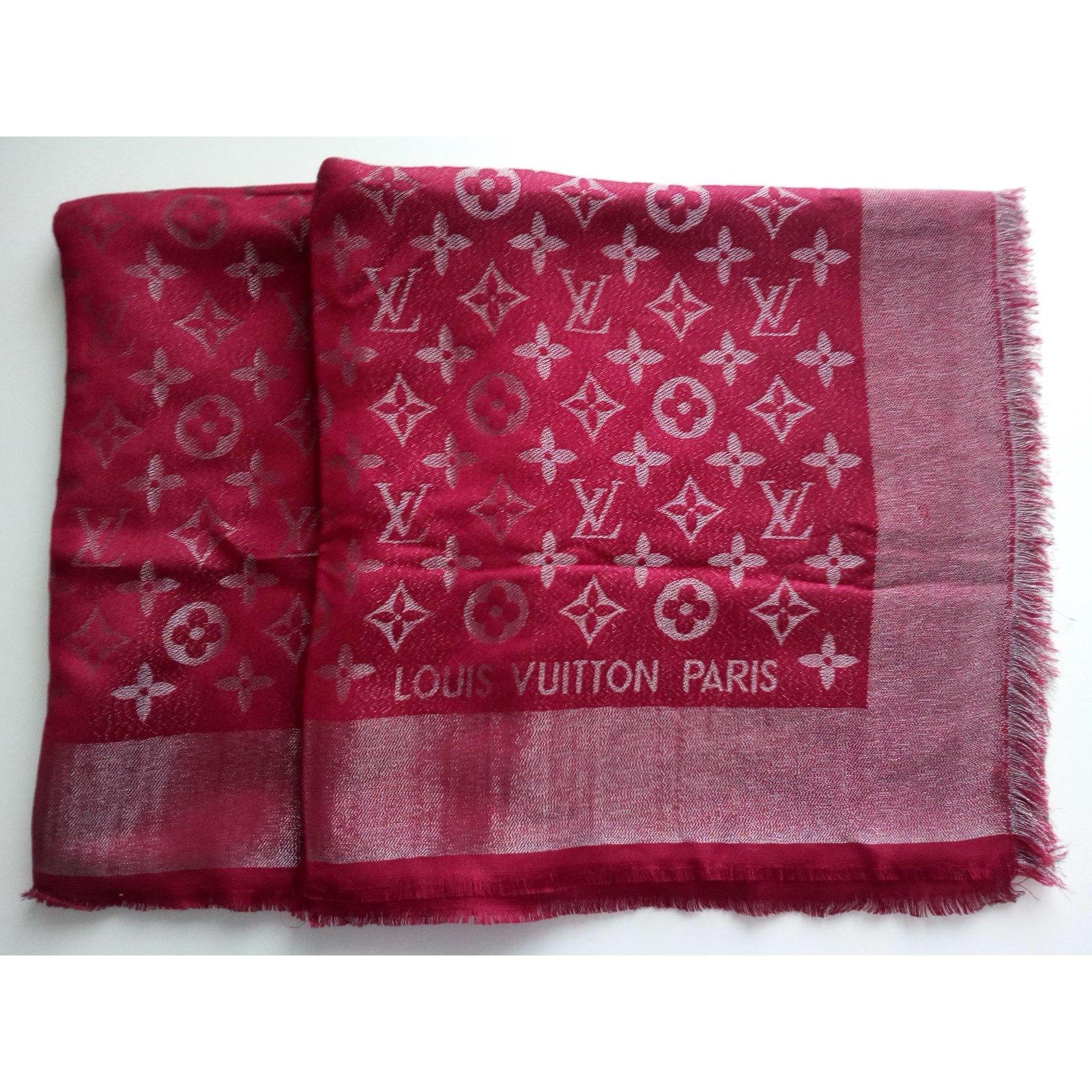 Louis Vuitton Monogram Shine Shawl Silk scarves Silk Red ref.25435 5386926d333