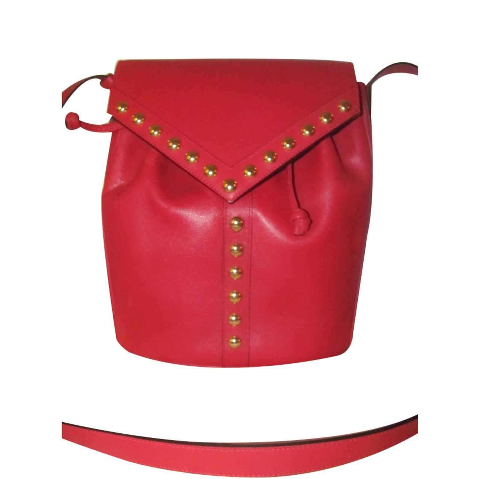 cc4df7607fa6 Yves Saint Laurent Handbag Handbags Leather Red ref.27765 - Joli Closet