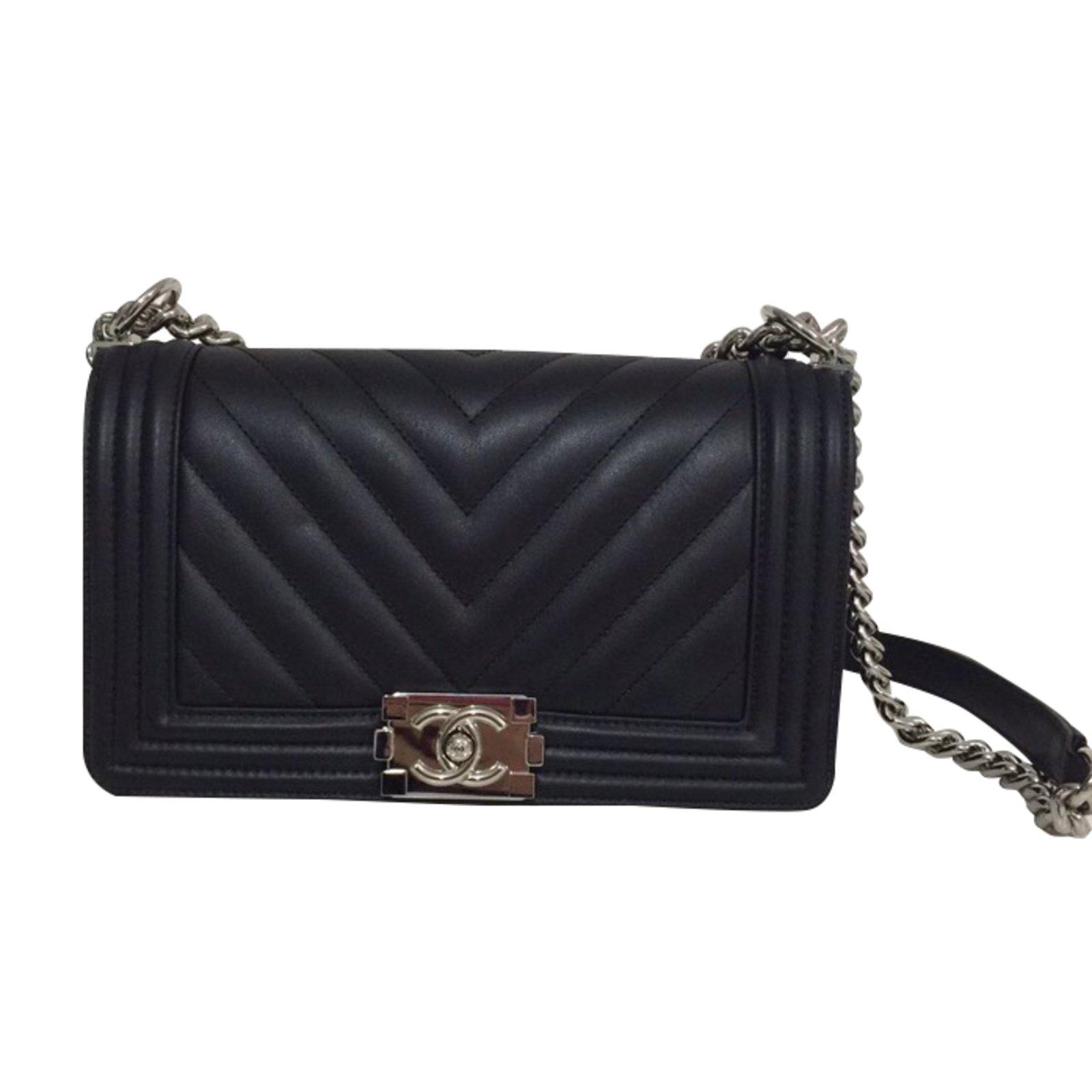 a75d7f7f91a83 Chanel boy chevron Handbags Leather Black ref.27971 - Joli Closet