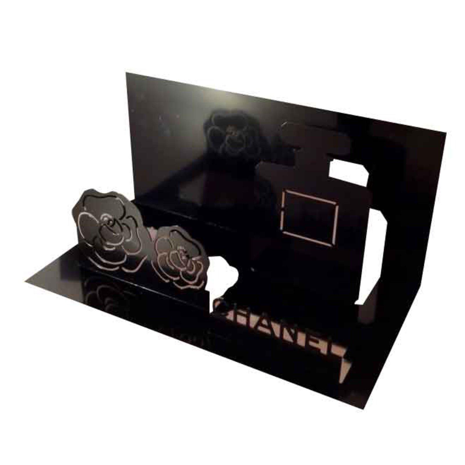 cadeaux vip chanel porte serviette ou porte envelopp m tal noir joli closet. Black Bedroom Furniture Sets. Home Design Ideas