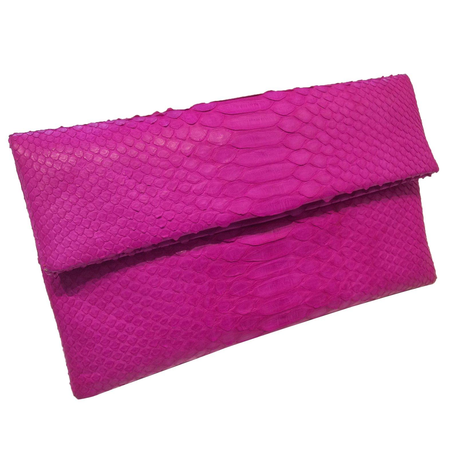 pochettes autre marque pochette en python rose cuirs exotiques rose joli closet. Black Bedroom Furniture Sets. Home Design Ideas