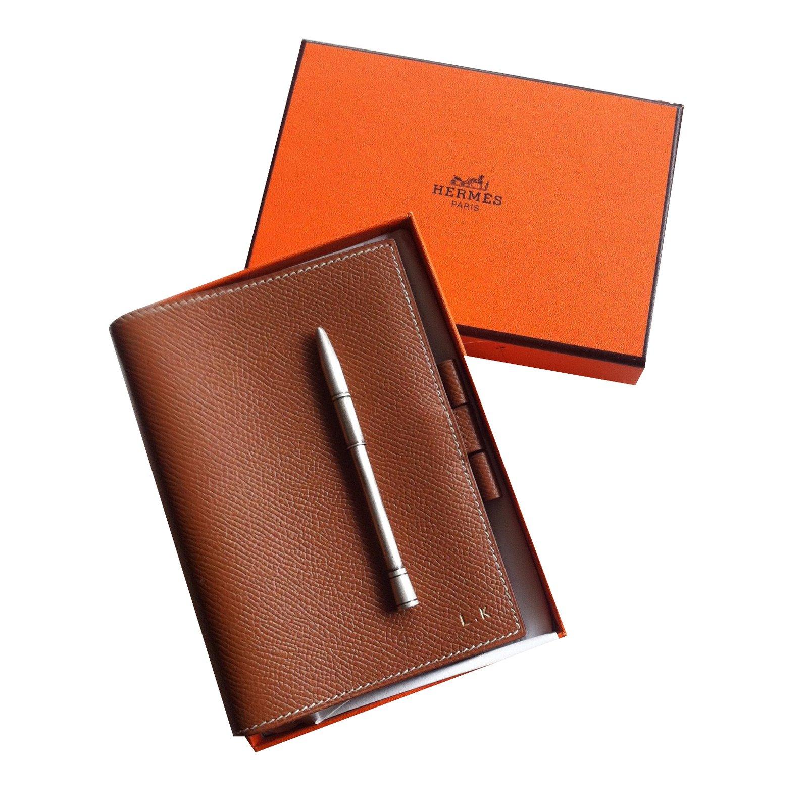 petite maroquinerie herm s porte agenda cuir cuir caramel joli closet. Black Bedroom Furniture Sets. Home Design Ideas