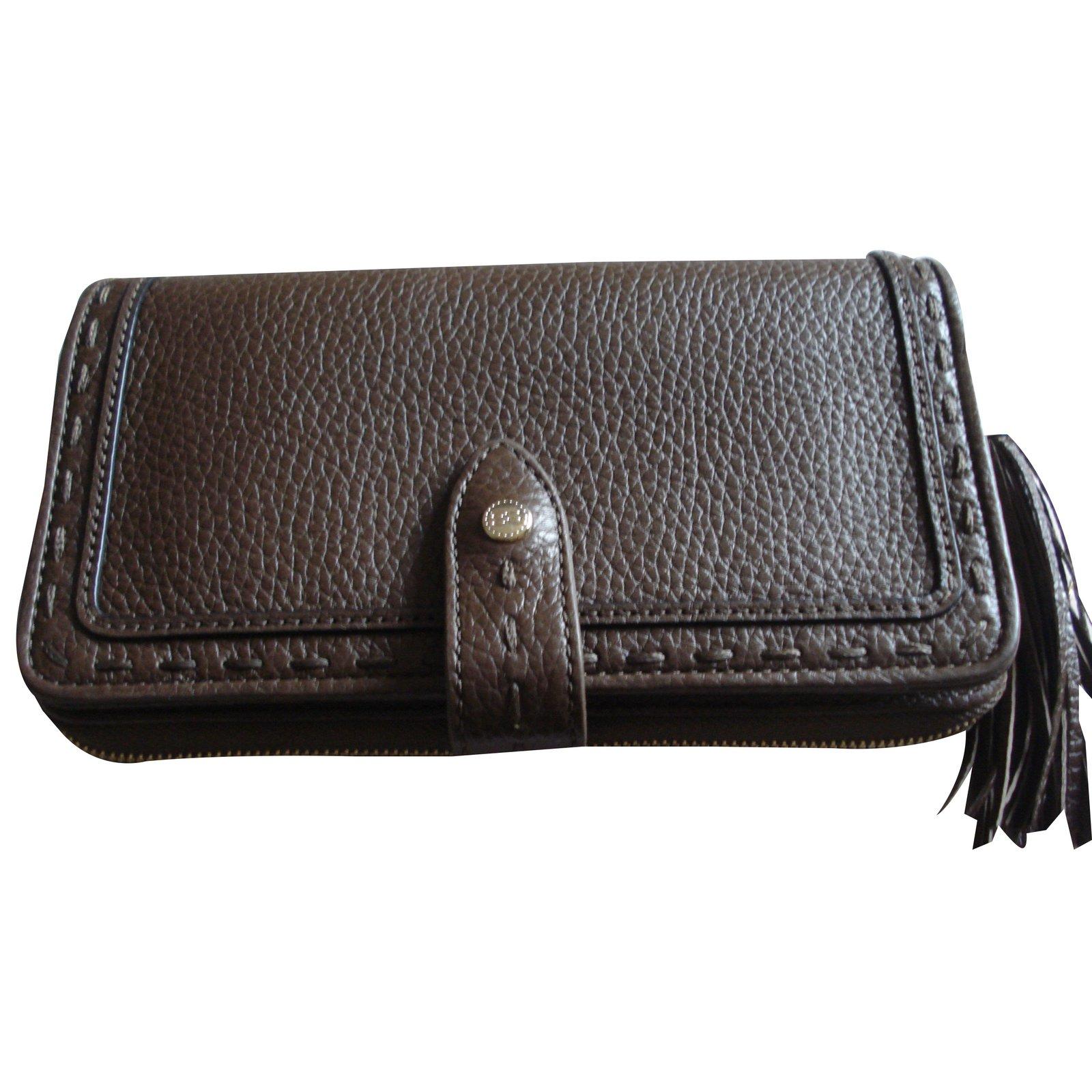 portefeuille lancel premier flirt noir Petit sac à dos noir lancel cuir lisse réf: 376176-1099 noir refente de cuir de le portefeuille lancel premier flirt va premier flirt lancel véritable.