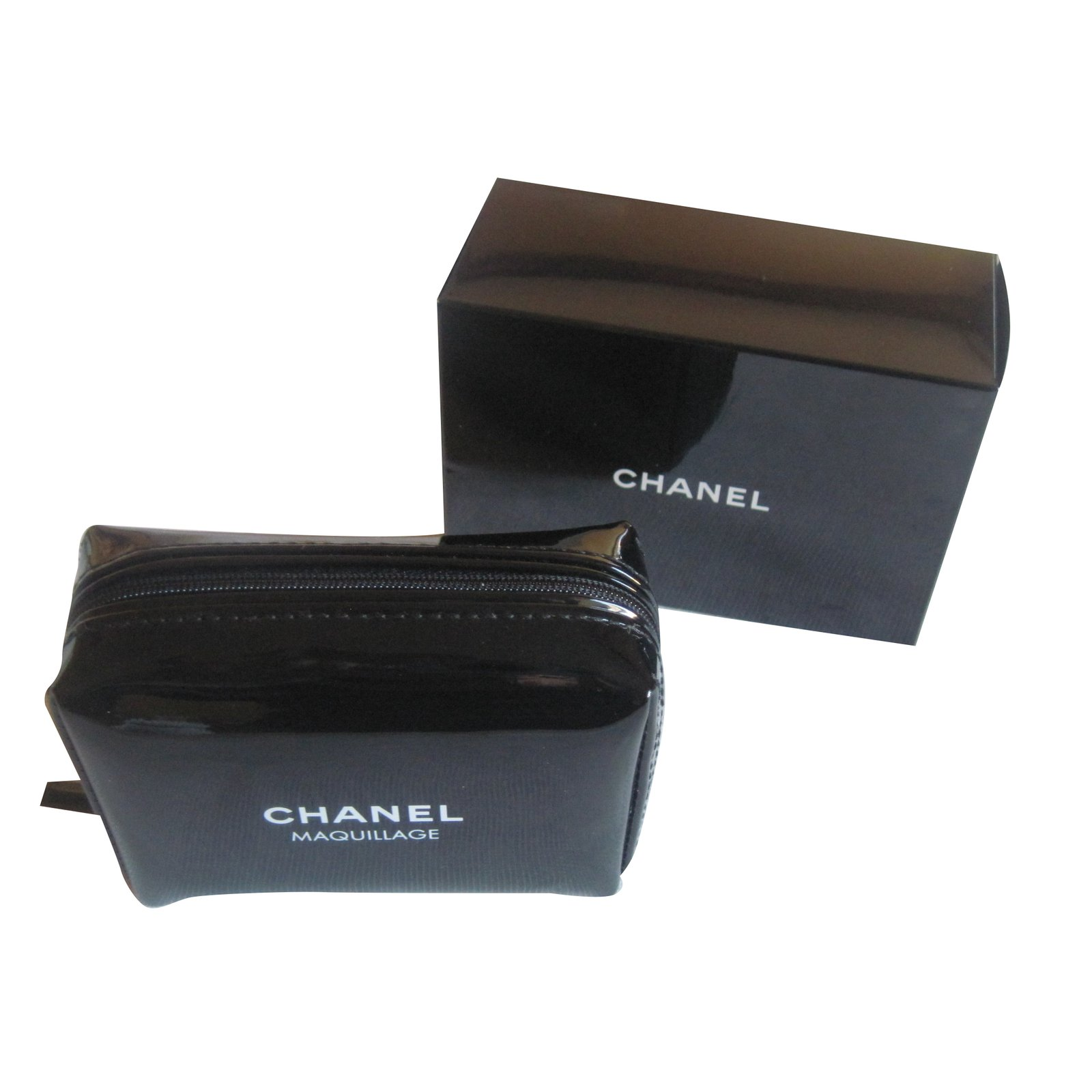 Chanel Makeup Bag Vip Gifts Patent Leather Black Ref 30563