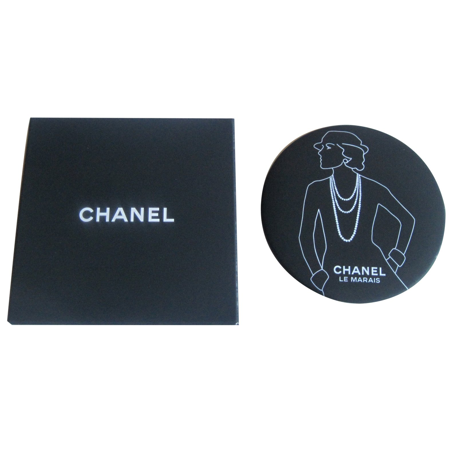 Miroir de sac chanel for Collection miroir chanel