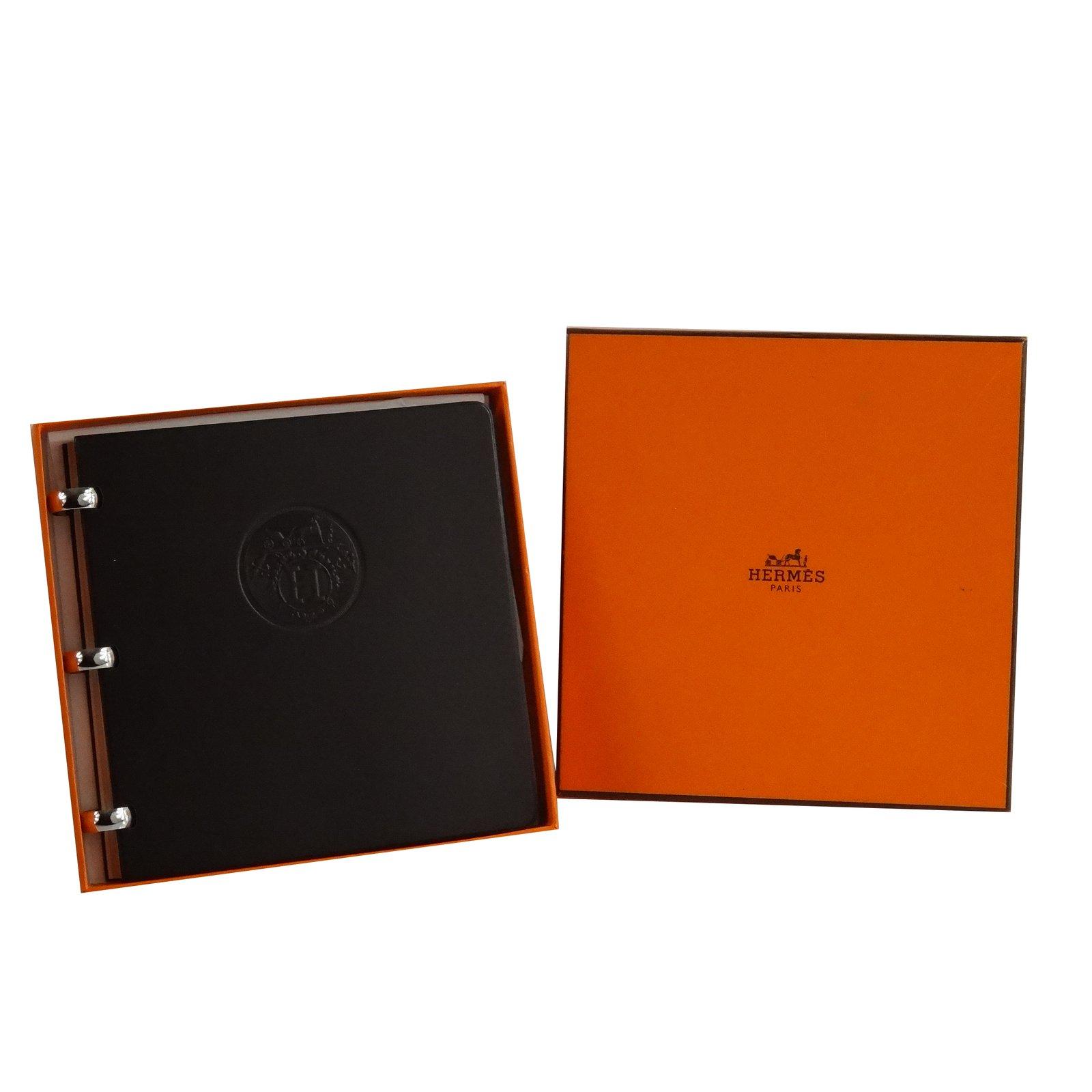 petite maroquinerie herm s carnet de note herm s cuir marron joli closet. Black Bedroom Furniture Sets. Home Design Ideas