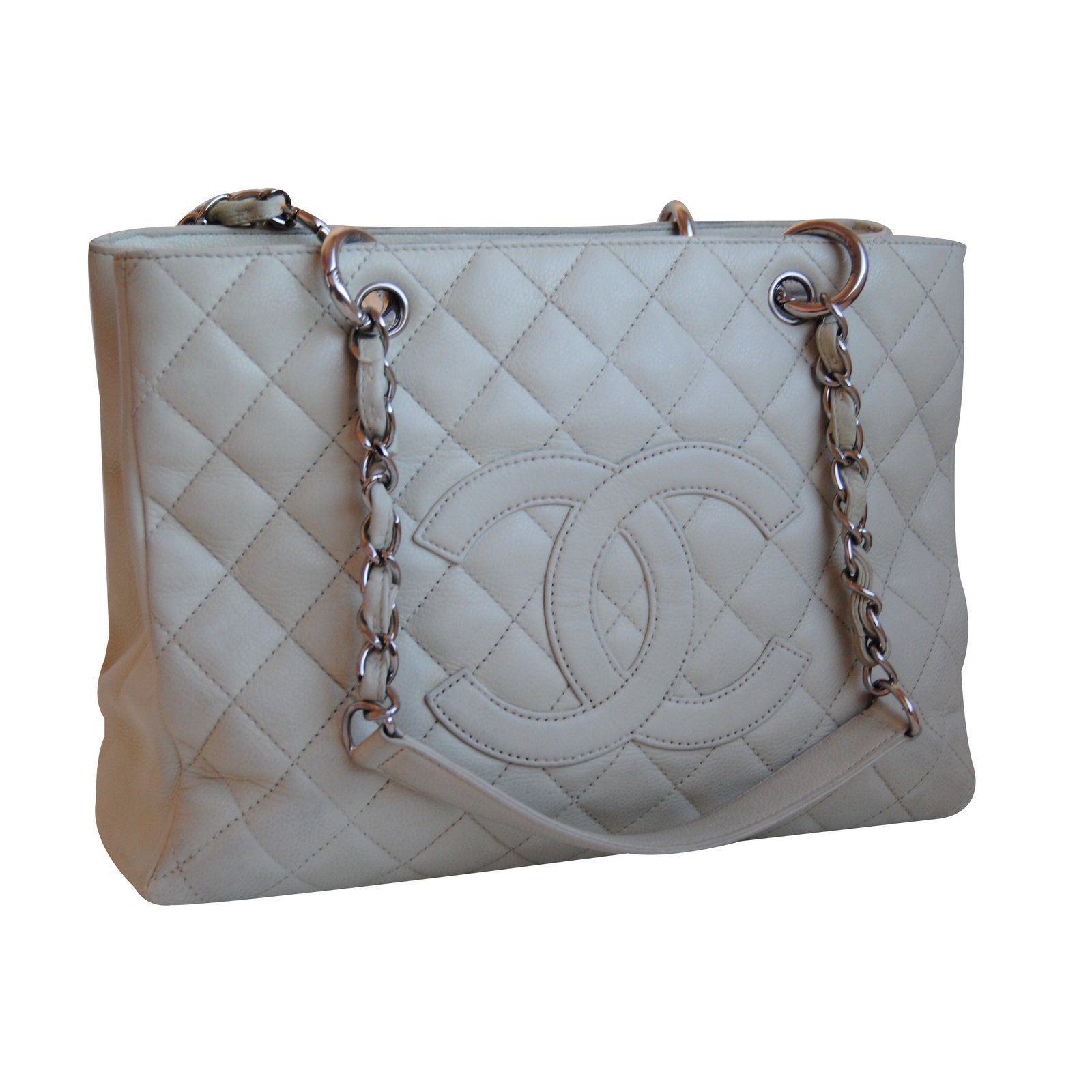 96b411fc0a2e Chanel Grand shopping Handbags Leather White ref.31135 - Joli Closet