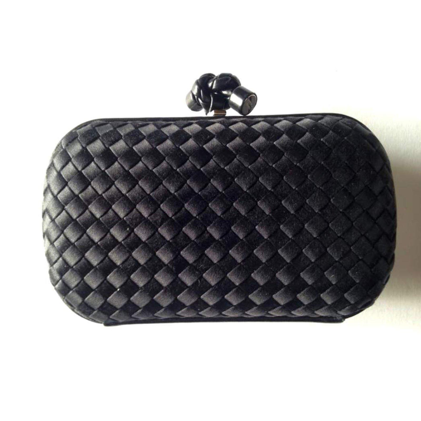 0d2cf1db63 Bottega Veneta knot Clutch bags Leather