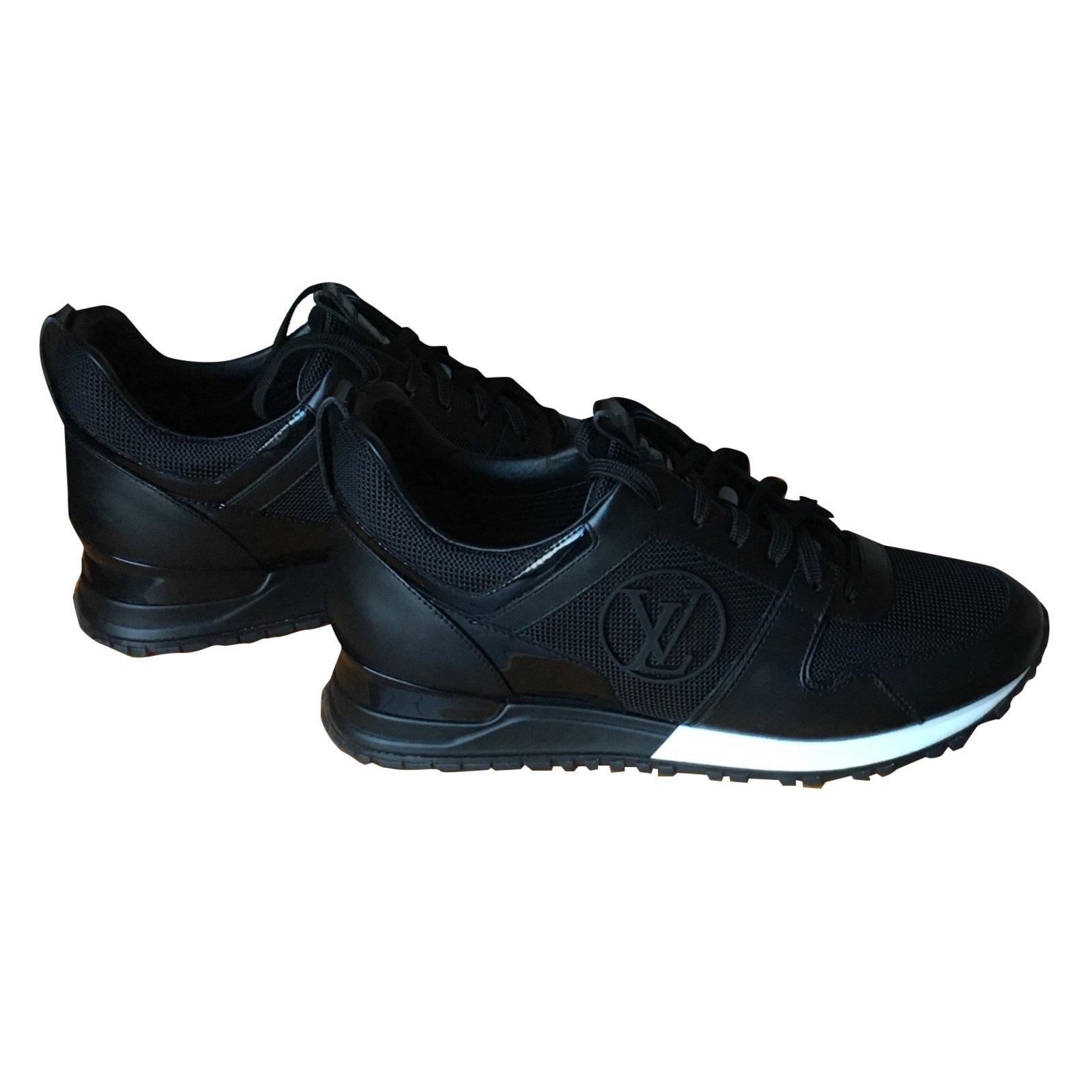 Baskets Louis Vuitton Run away Cuir Noir ref.32340 - Joli Closet 3ba9bb26982