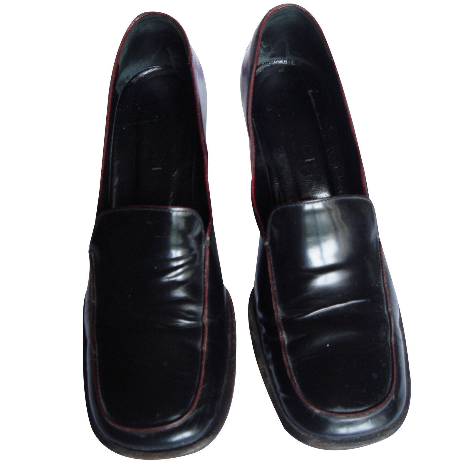 mocassins gucci mocassin gucci talon moyen pointure 36 5 cuir noir joli closet. Black Bedroom Furniture Sets. Home Design Ideas