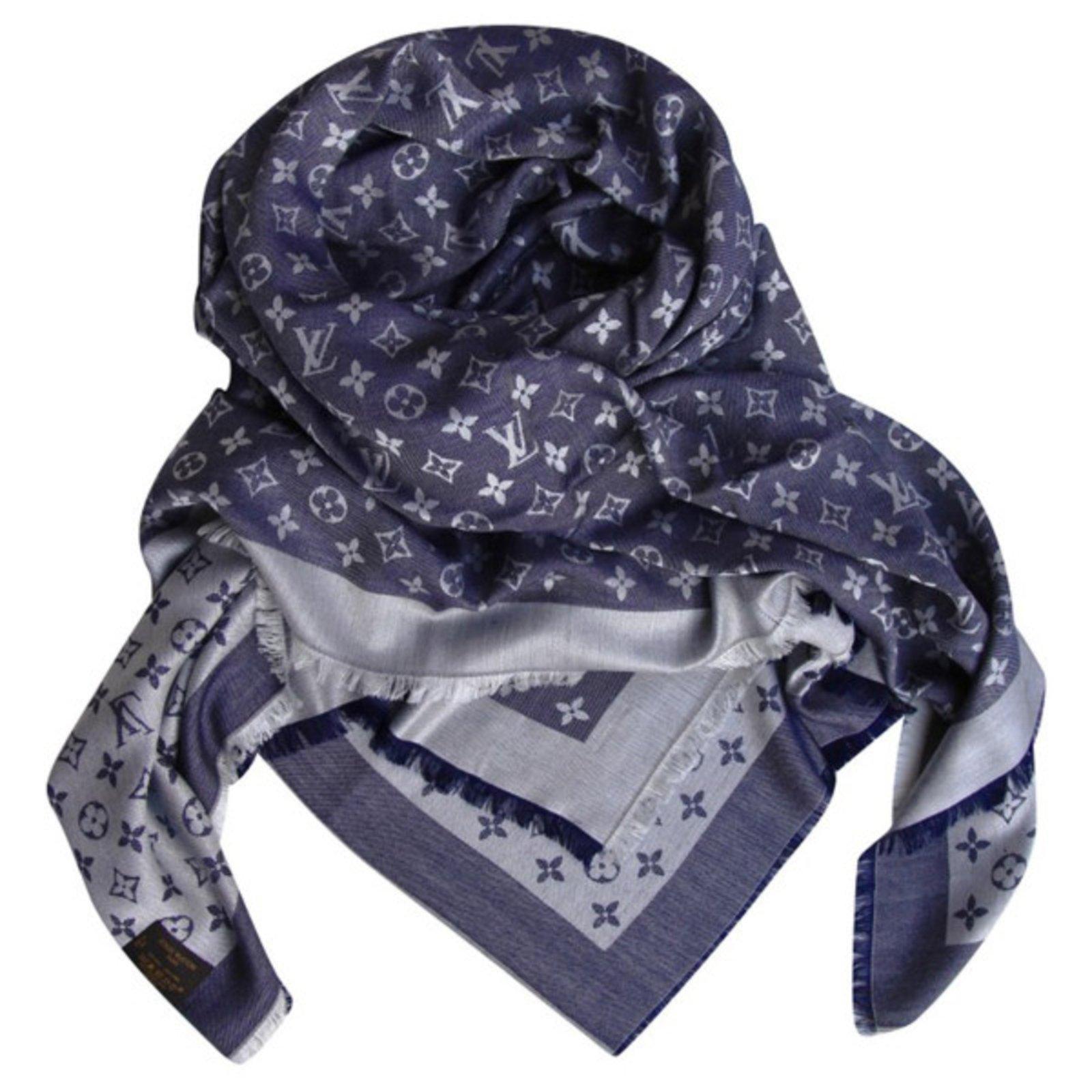 Foulards Louis Vuitton Châle Soie,Laine Bleu ref.37007 - Joli Closet 4c06d66c605