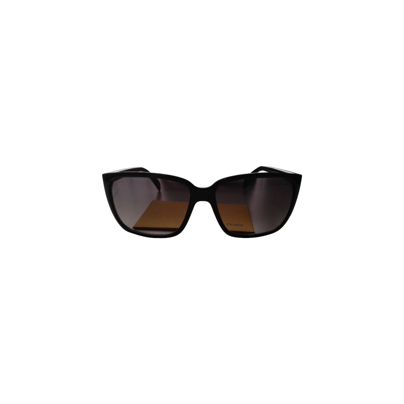 3f74bf17d6 Fendi Sunglasses Sunglasses Plastic Black ref.37649 - Joli Closet