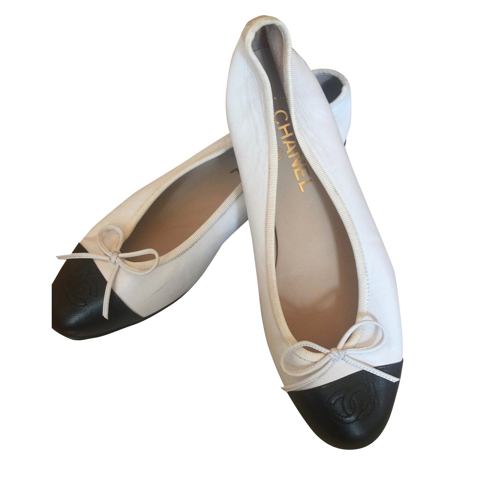 Chanel Ballerinas Ballet flats Leather