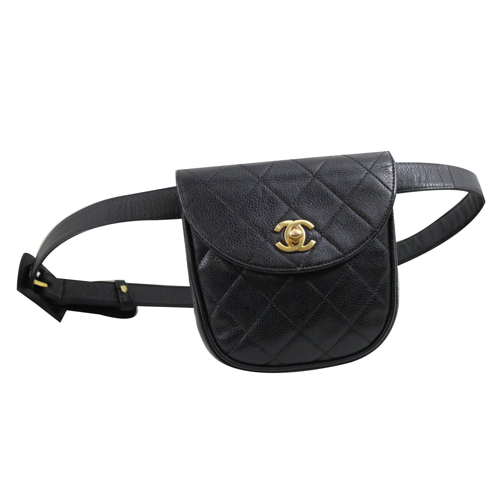 Pochettes Chanel Sac ceinture Cuir Noir ref.38278 - Joli Closet 3b240da1afd