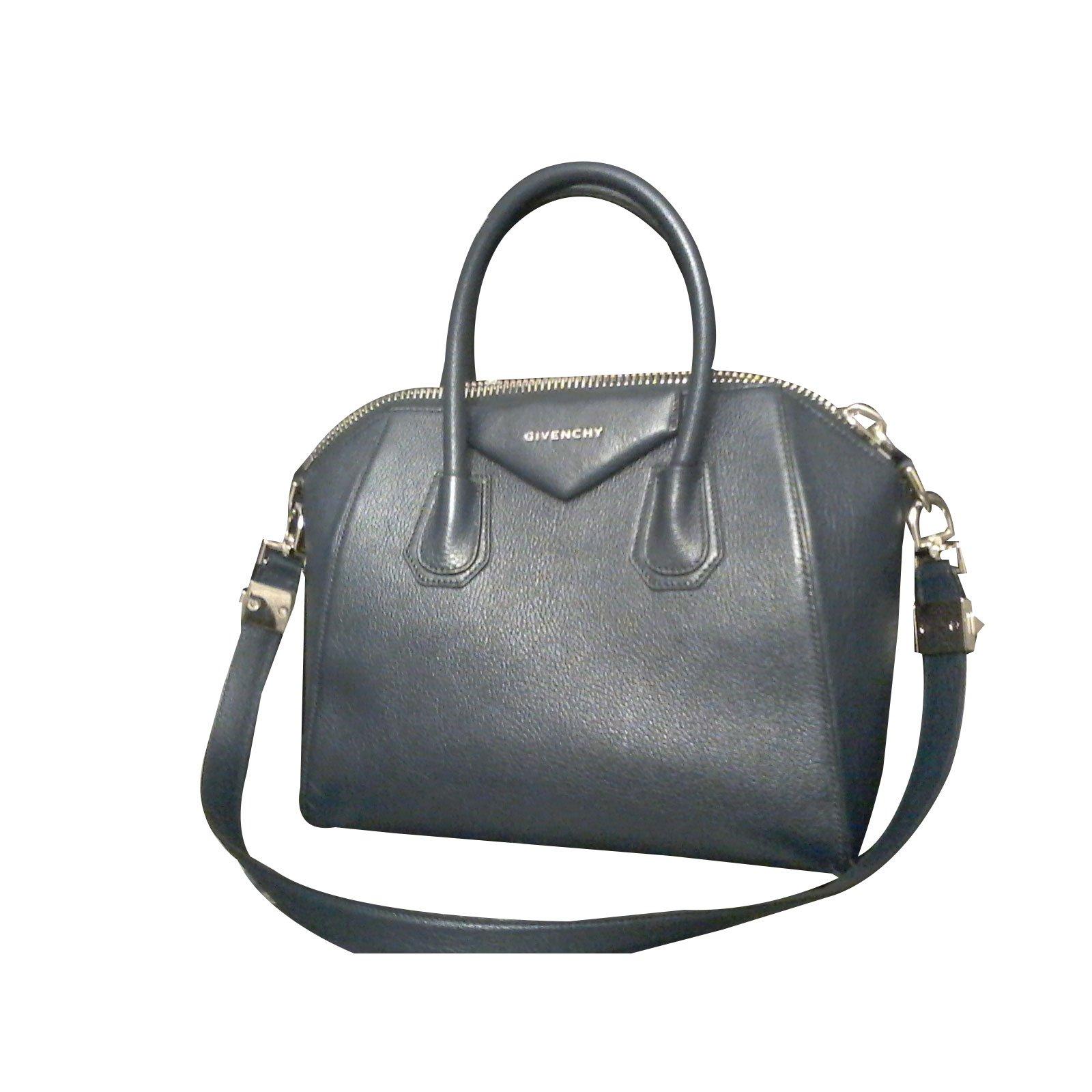836727f0e0d9 Givenchy Handbag Handbags Leather Navy blue ref.39134 - Joli Closet
