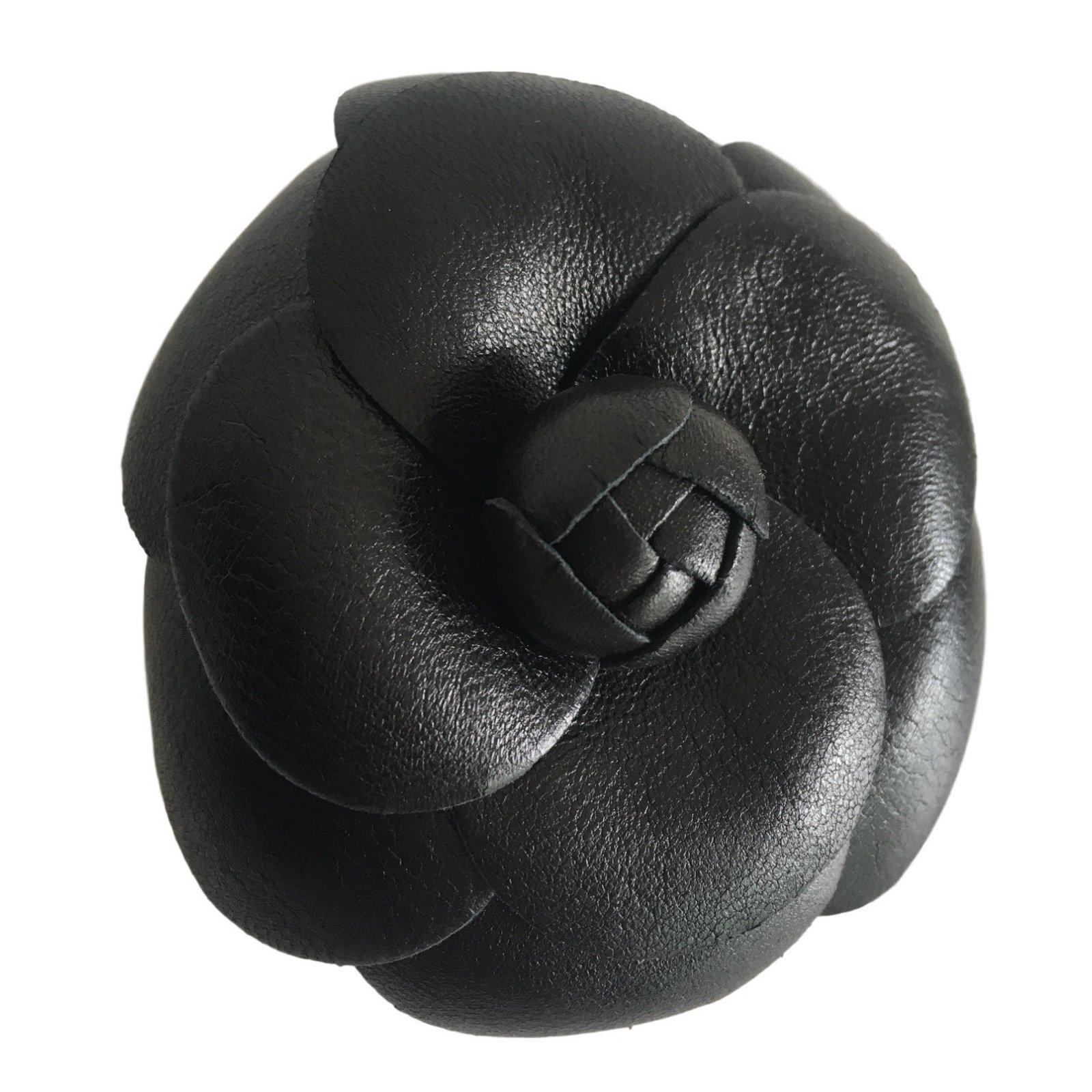 d277fb0595d1 Broches Chanel Camelia Cuir Cuir Noir ref.39378 - Joli Closet