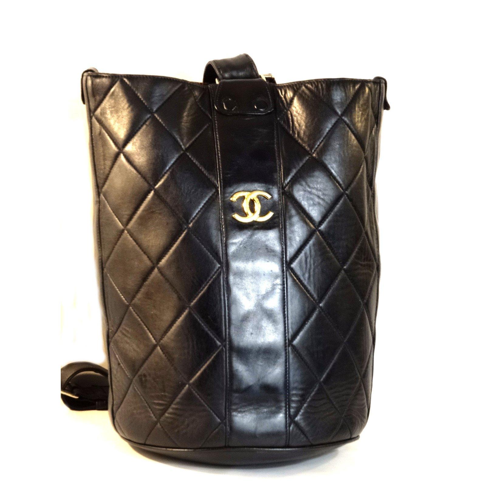 939db3a21f97 Chanel Backpack Backpacks Leather Black ref.39512 - Joli Closet