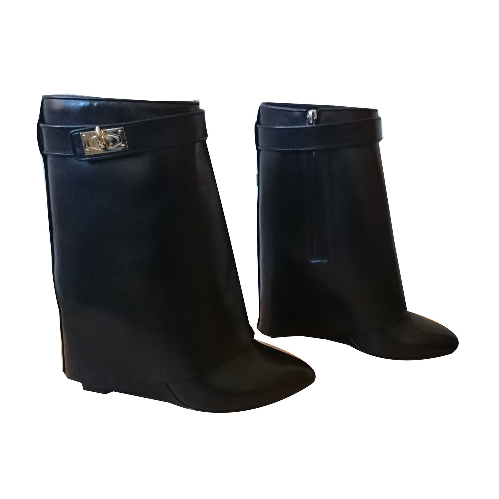 Givenchy Givenchy Shark Lock Ankle boots Size 39 Ankle Boots Leather Black  ref.39617 5fc37c45c4fb
