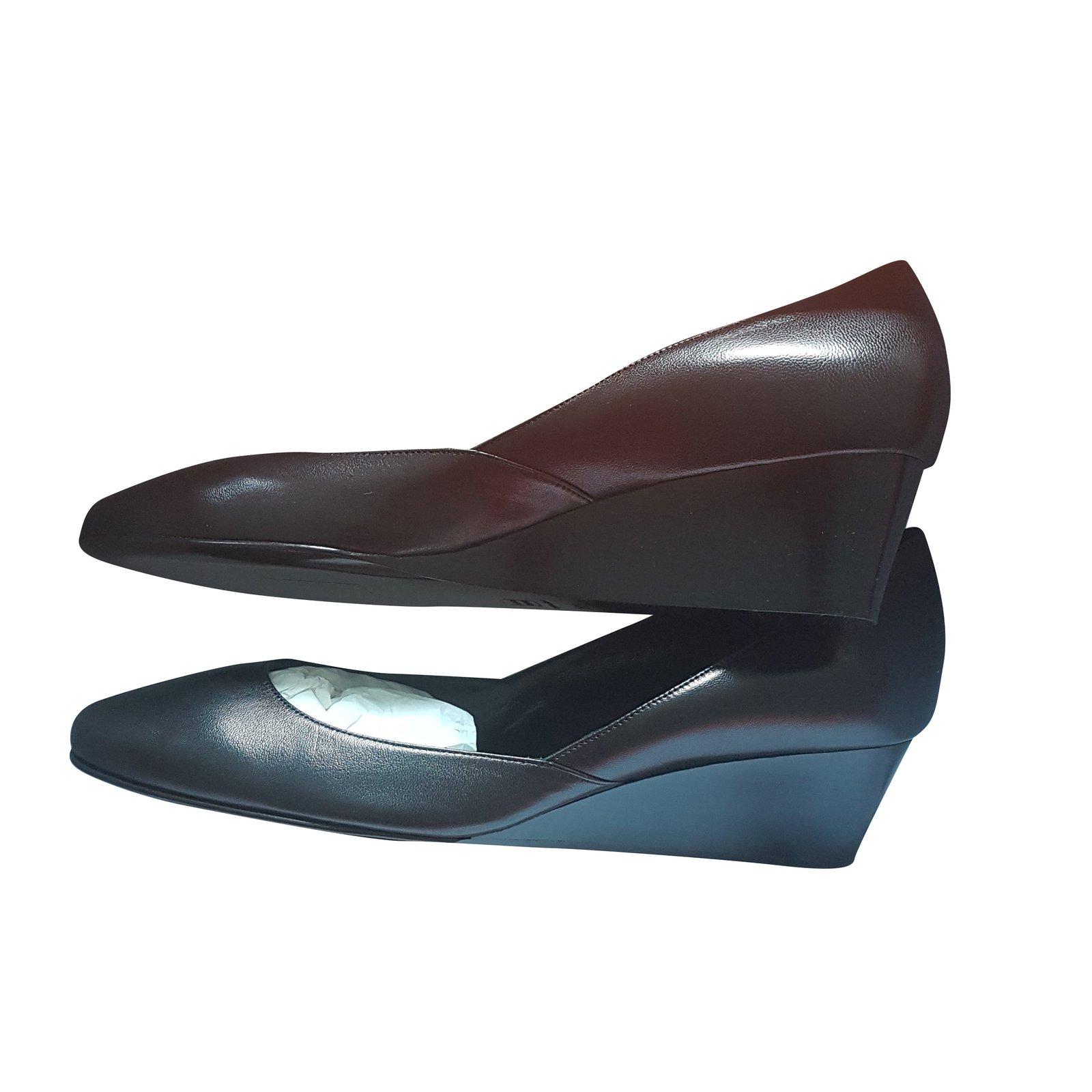 escarpins herm s escarpins cuir noir joli closet. Black Bedroom Furniture Sets. Home Design Ideas