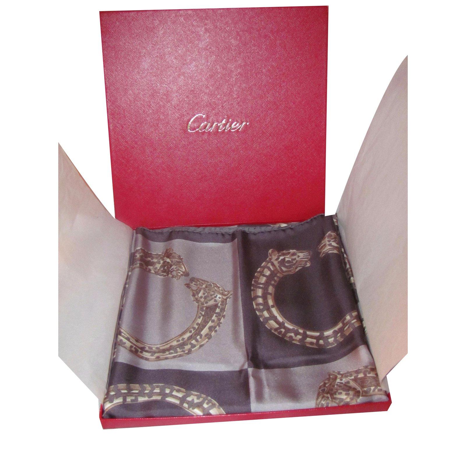 04192e155120 Carrés Cartier Carré Soie Gris ref.40265 - Joli Closet