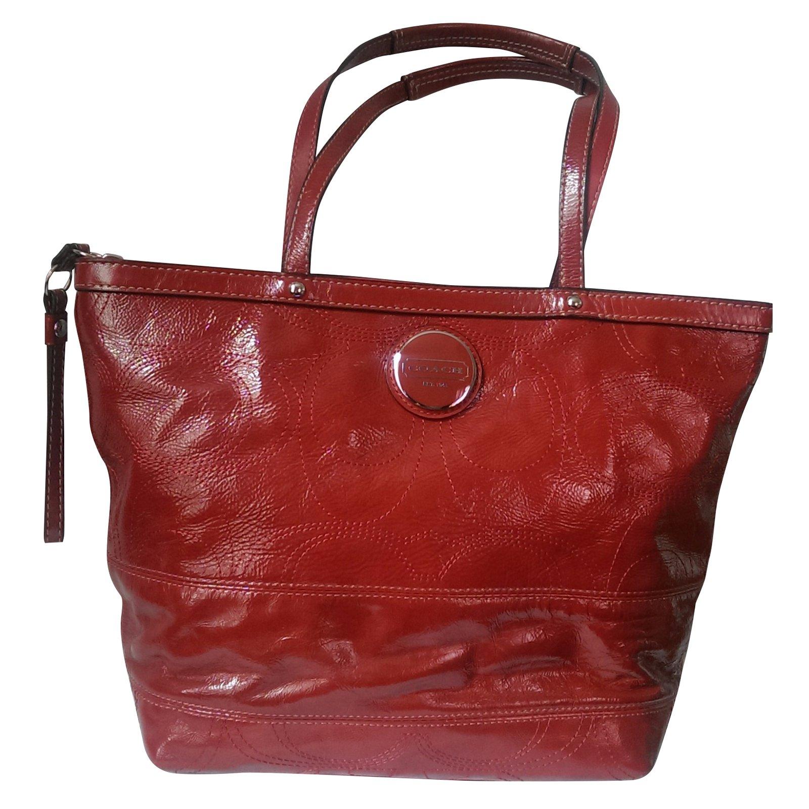 c25d9c626 Coach Handbag Handbags Patent leather Red ref.40353 - Joli Closet