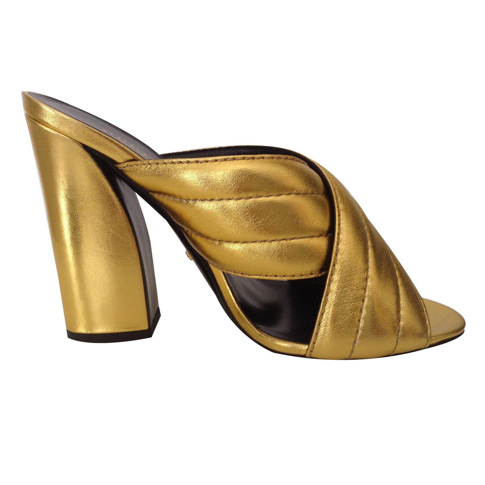 691ec3e6fa11 Gucci Sylvia Mules Leather Golden ref.40456 - Joli Closet