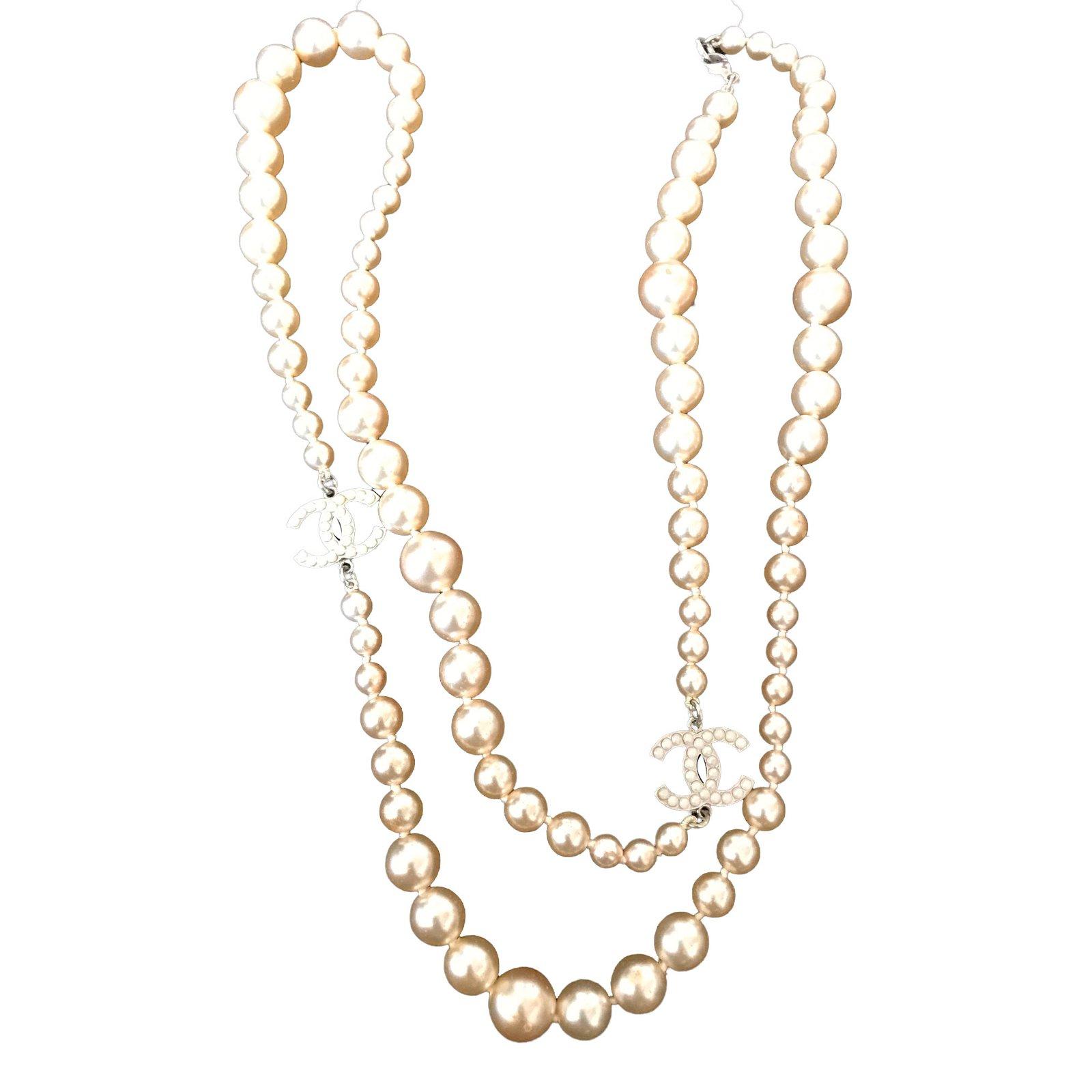 56a9e9a5ae Long necklace