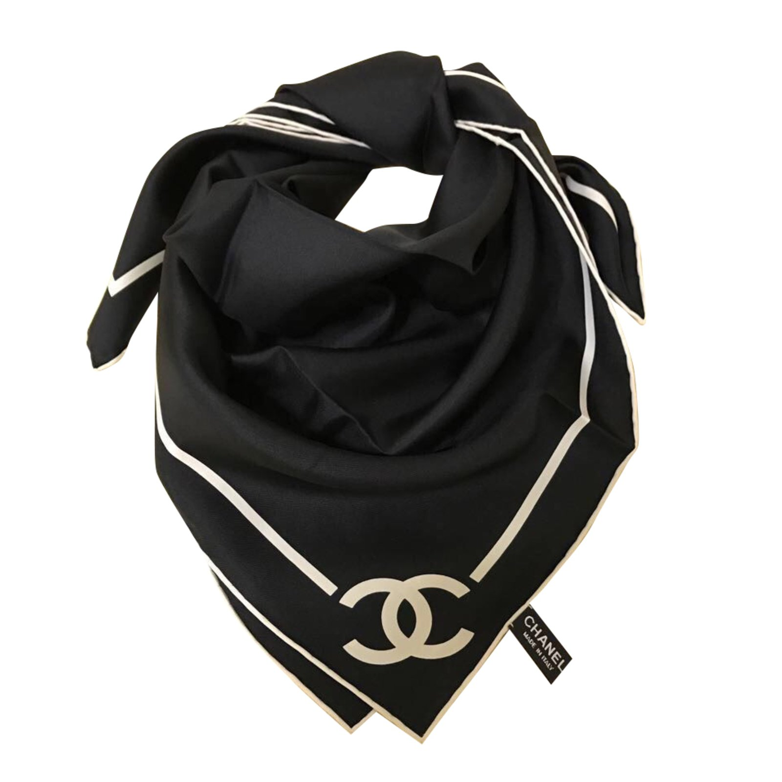 Foulards Chanel FOULARD SOIE CHANEL Soie Noir ref.41515 - Joli Closet 5f184c659db