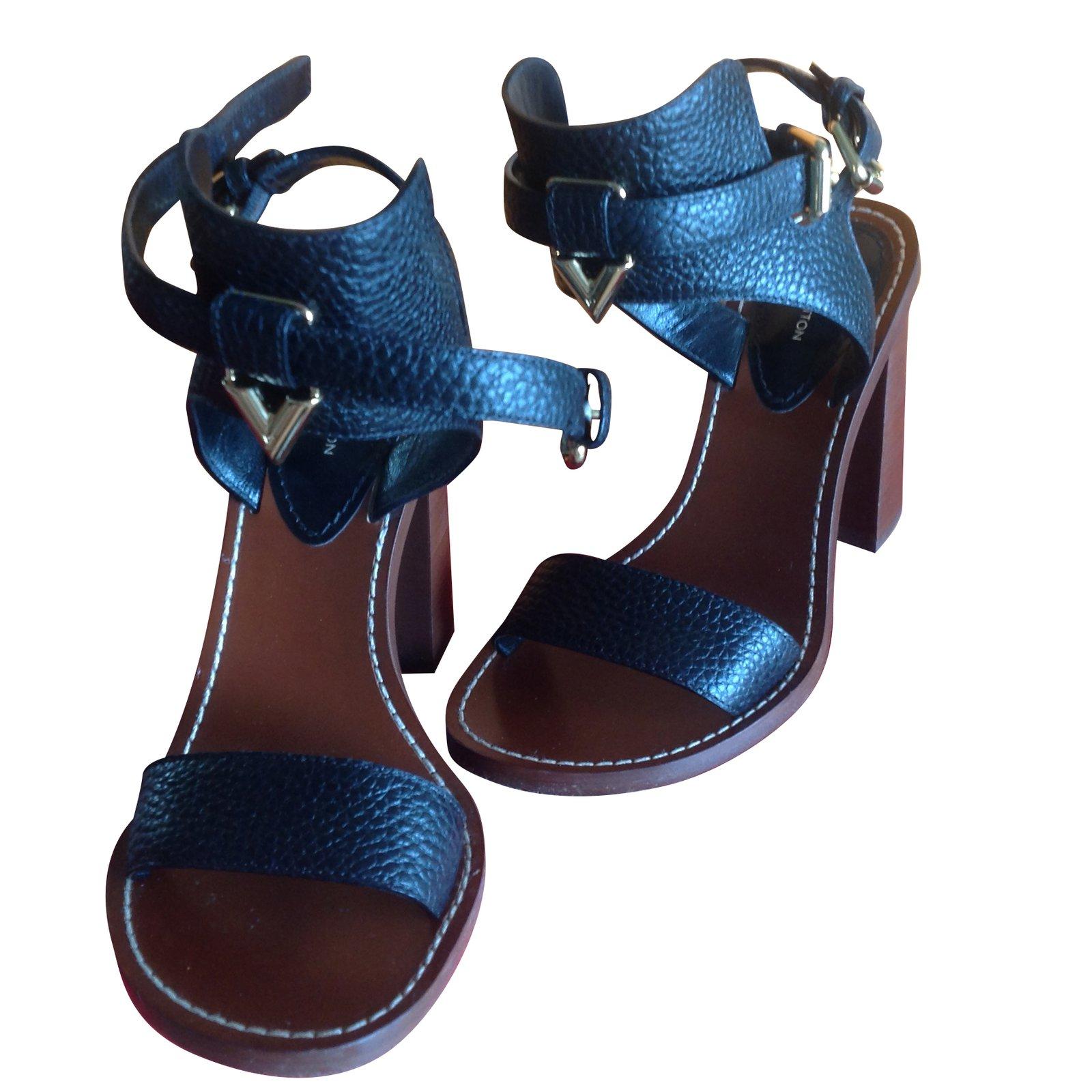40b1c973a Louis Vuitton Amazonia Sandals Sandals Leather Black ref.42905 ...