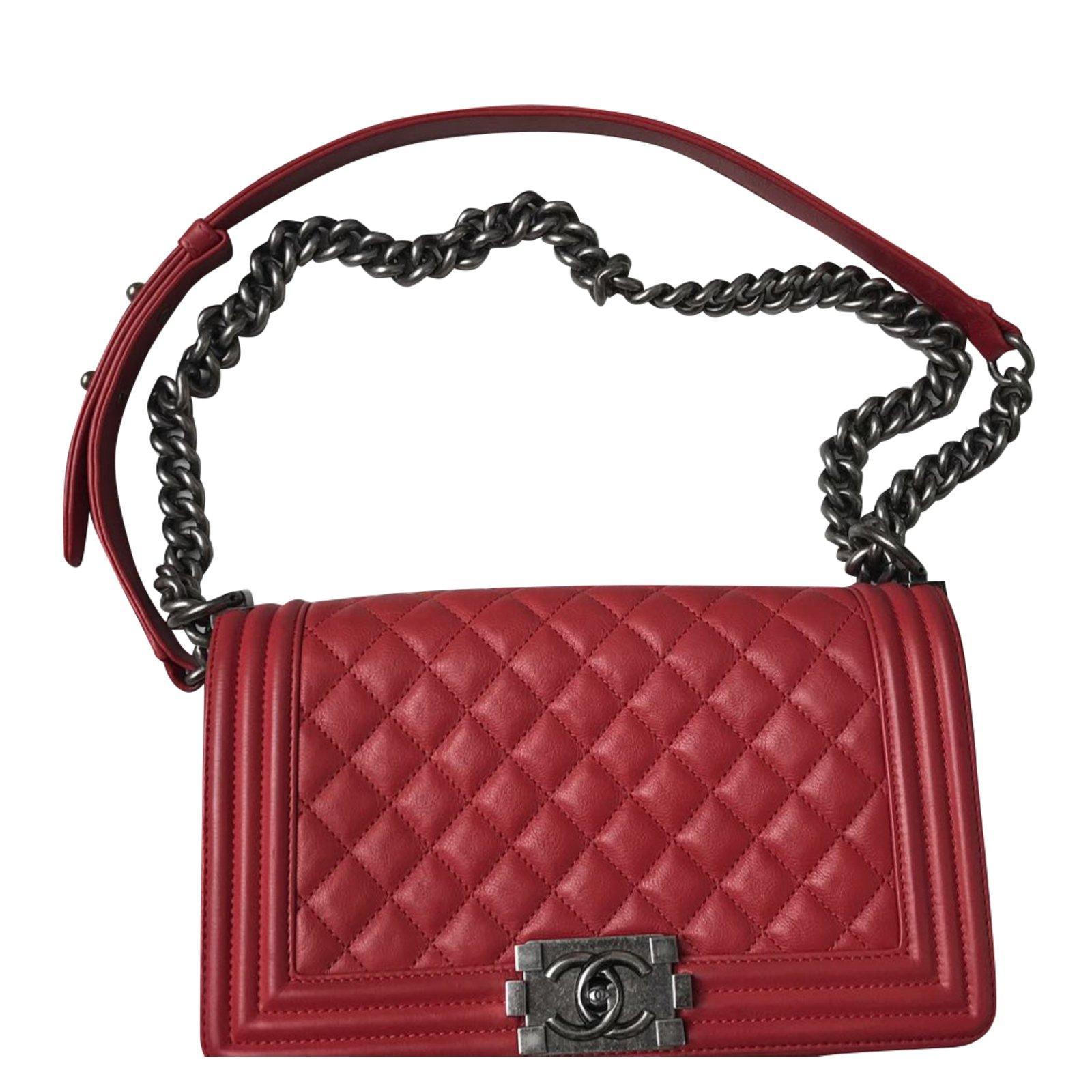 67a4b38b2178d2 Chanel Boy medium Handbags Leather Red ref.43511 - Joli Closet