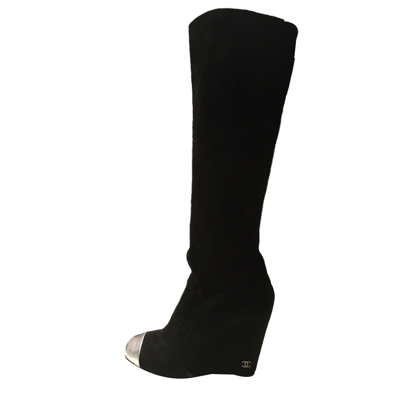 5e398e1cfbf Chanel Wedge boots Boots Velvet Black ref.43923 - Joli Closet