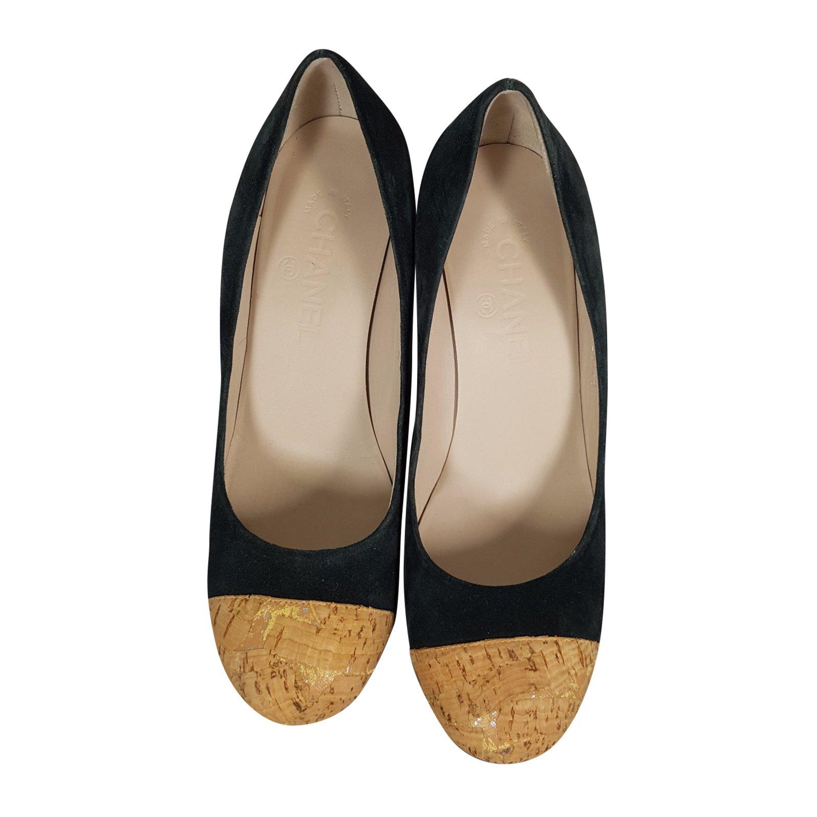 ba6f5f83ebb Escarpins Chanel Escarpins Daim Bleu ref.45305 - Joli Closet
