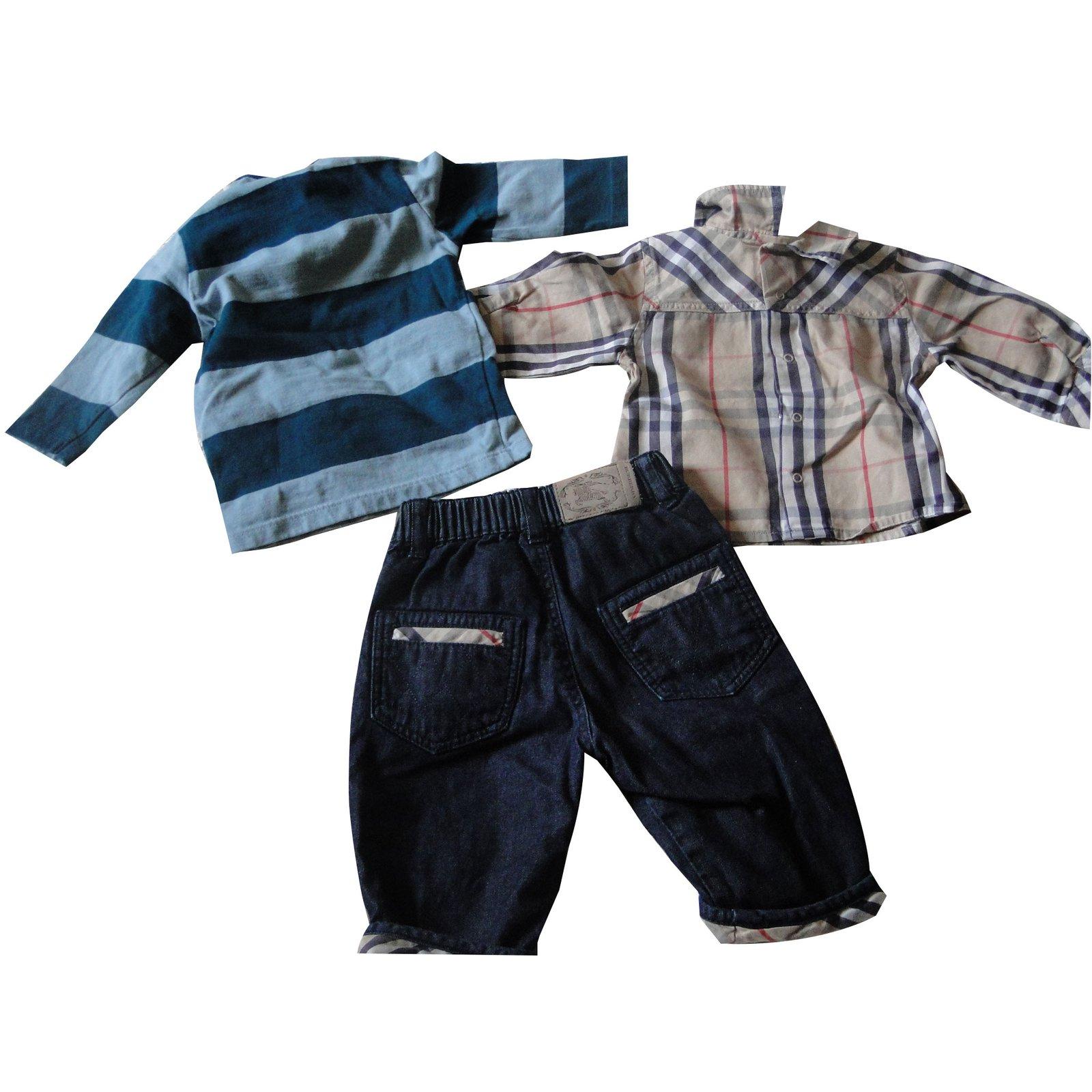 75f3fc36187 Les ensembles garçon Burberry Les ensembles garçon Coton Bleu ref.45399
