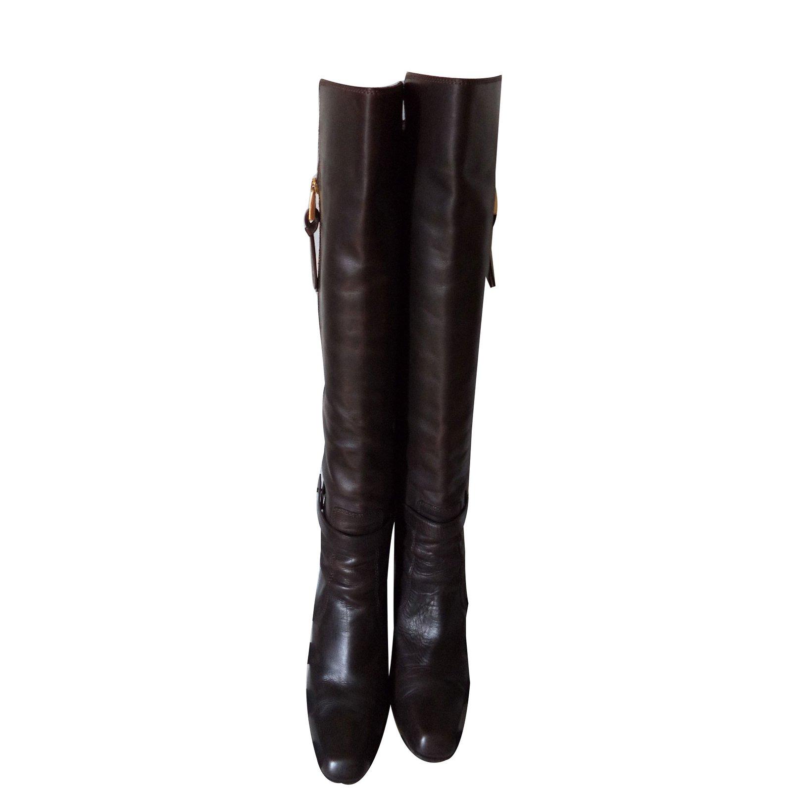 bottes barbara bui bottes cavali res talons hauts cuir marron joli closet. Black Bedroom Furniture Sets. Home Design Ideas