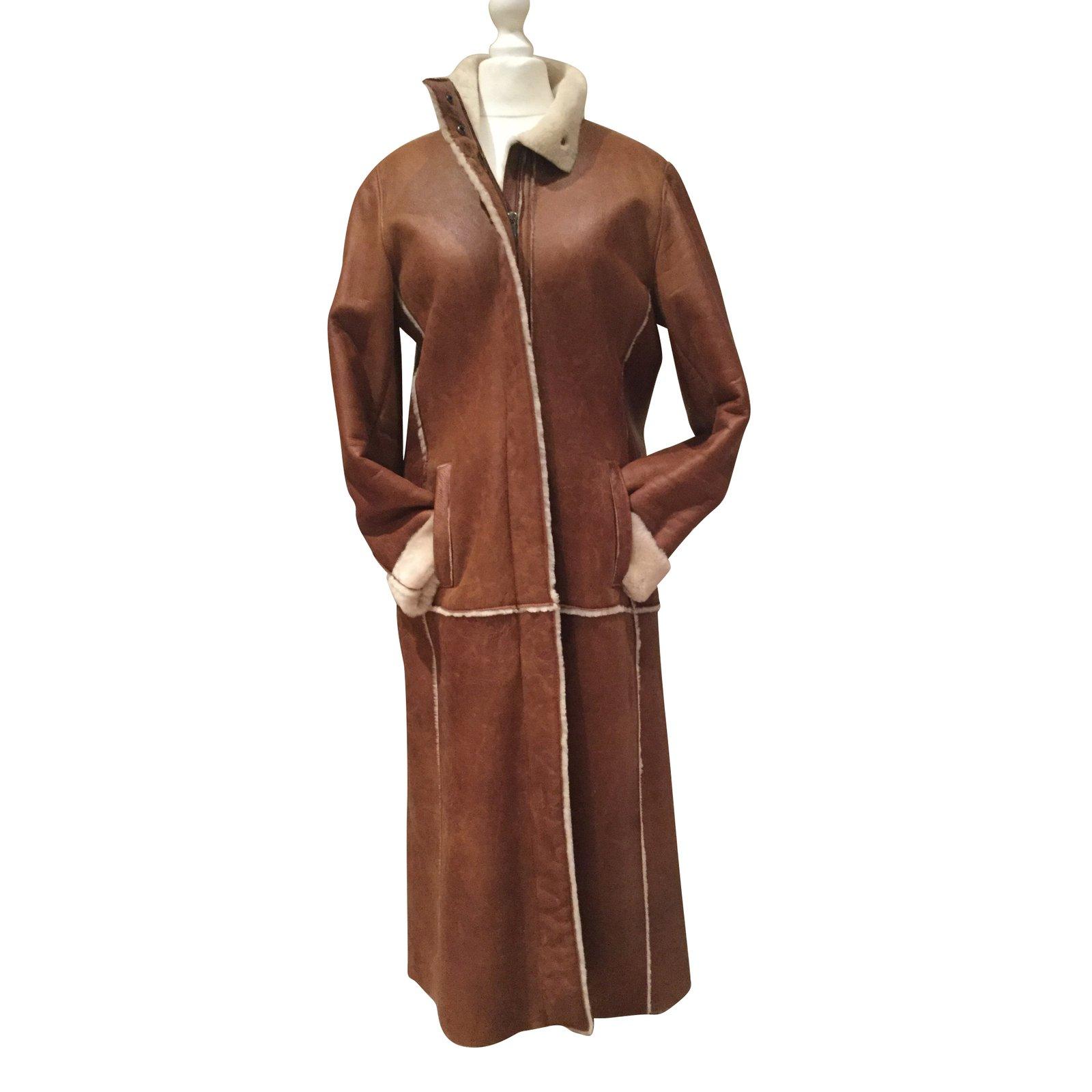 manteaux burberry manteau peau lain e cuir d 39 agneau. Black Bedroom Furniture Sets. Home Design Ideas