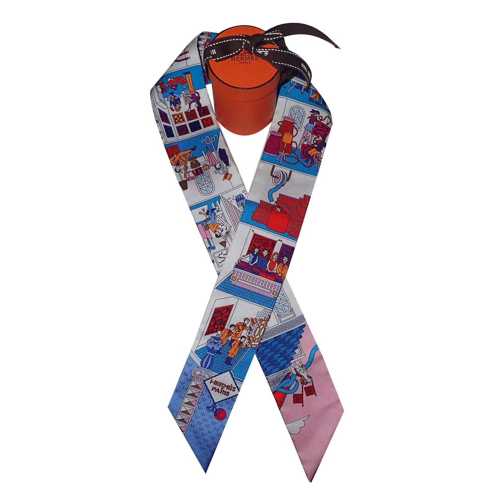 photos officielles profiter du prix le plus bas haut de gamme véritable official store hermes twilly scarf ab13f 7c143