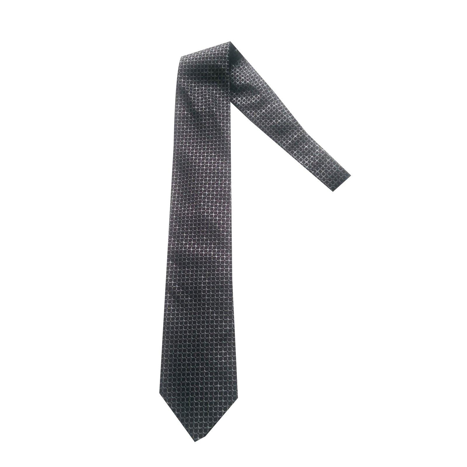 571e138e5f43 Cravates Hugo Boss Cravate Soie Noir,Bleu ref.47688 - Joli Closet
