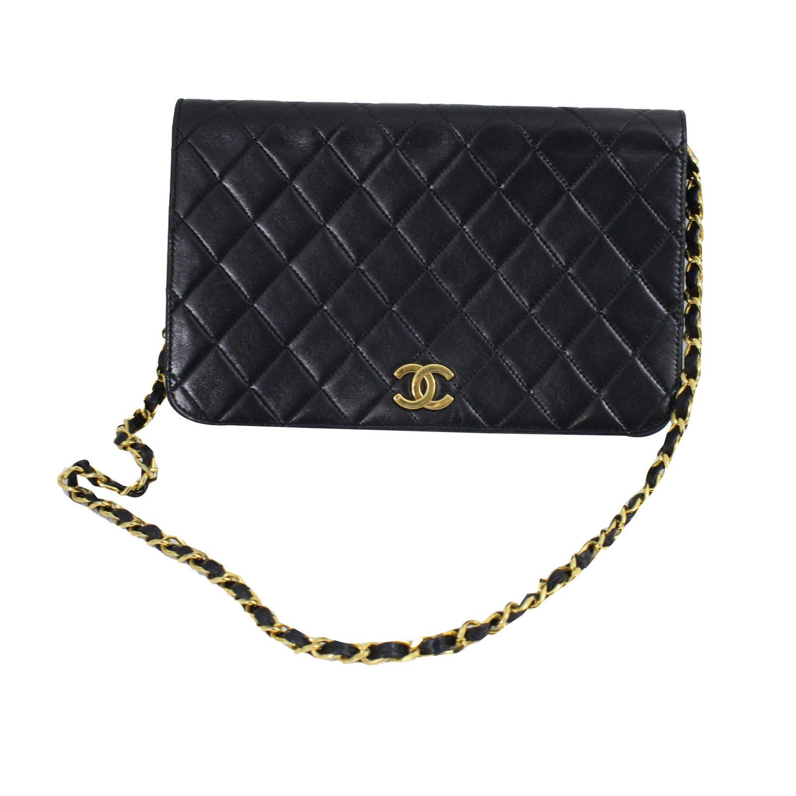 c3d61b337776 Chanel WOC vintage Handbags Patent leather Black ref.49144 - Joli Closet